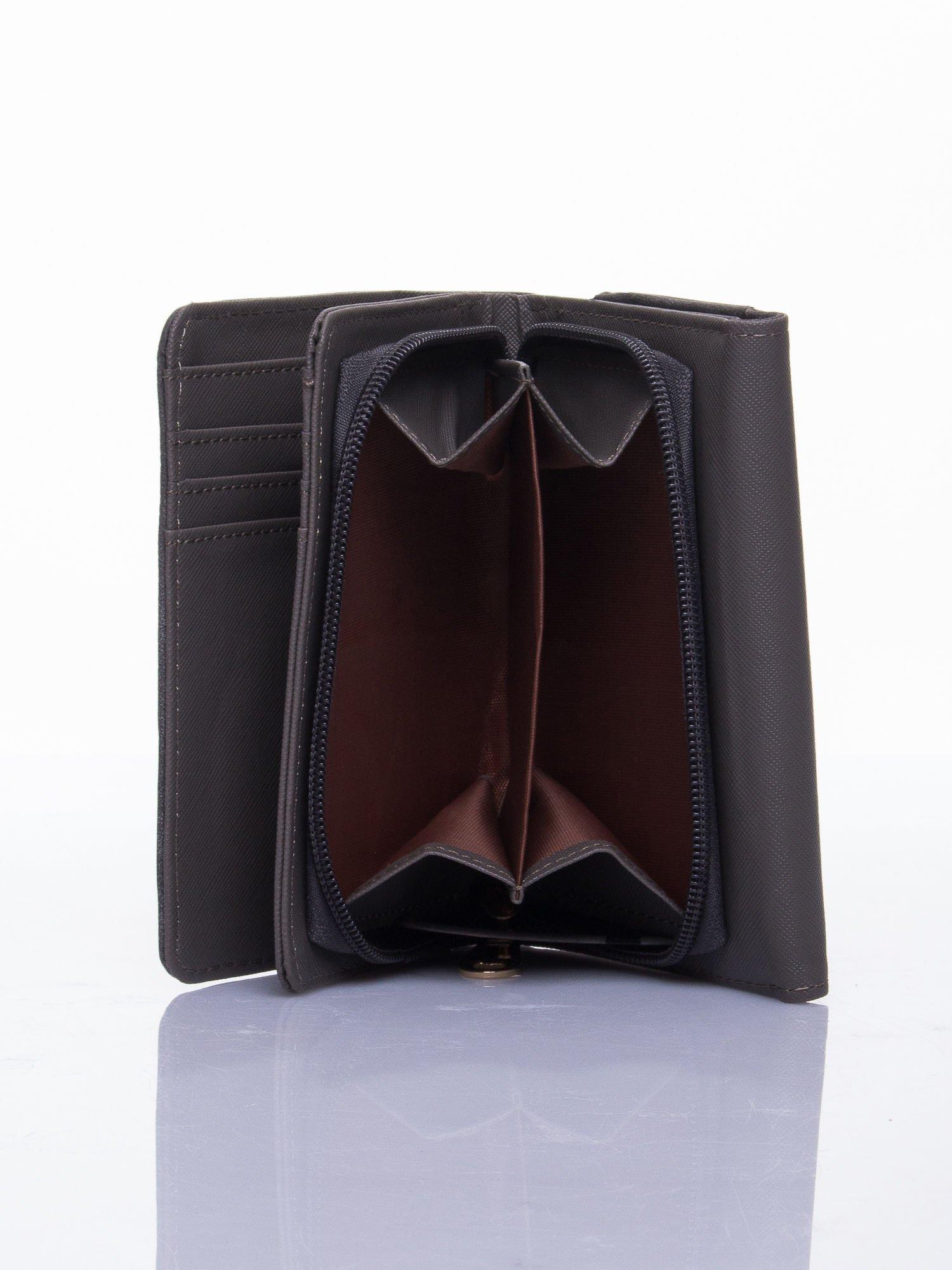 Szary ażurowany portfel ze złotym zapięciem                                  zdj.                                  4