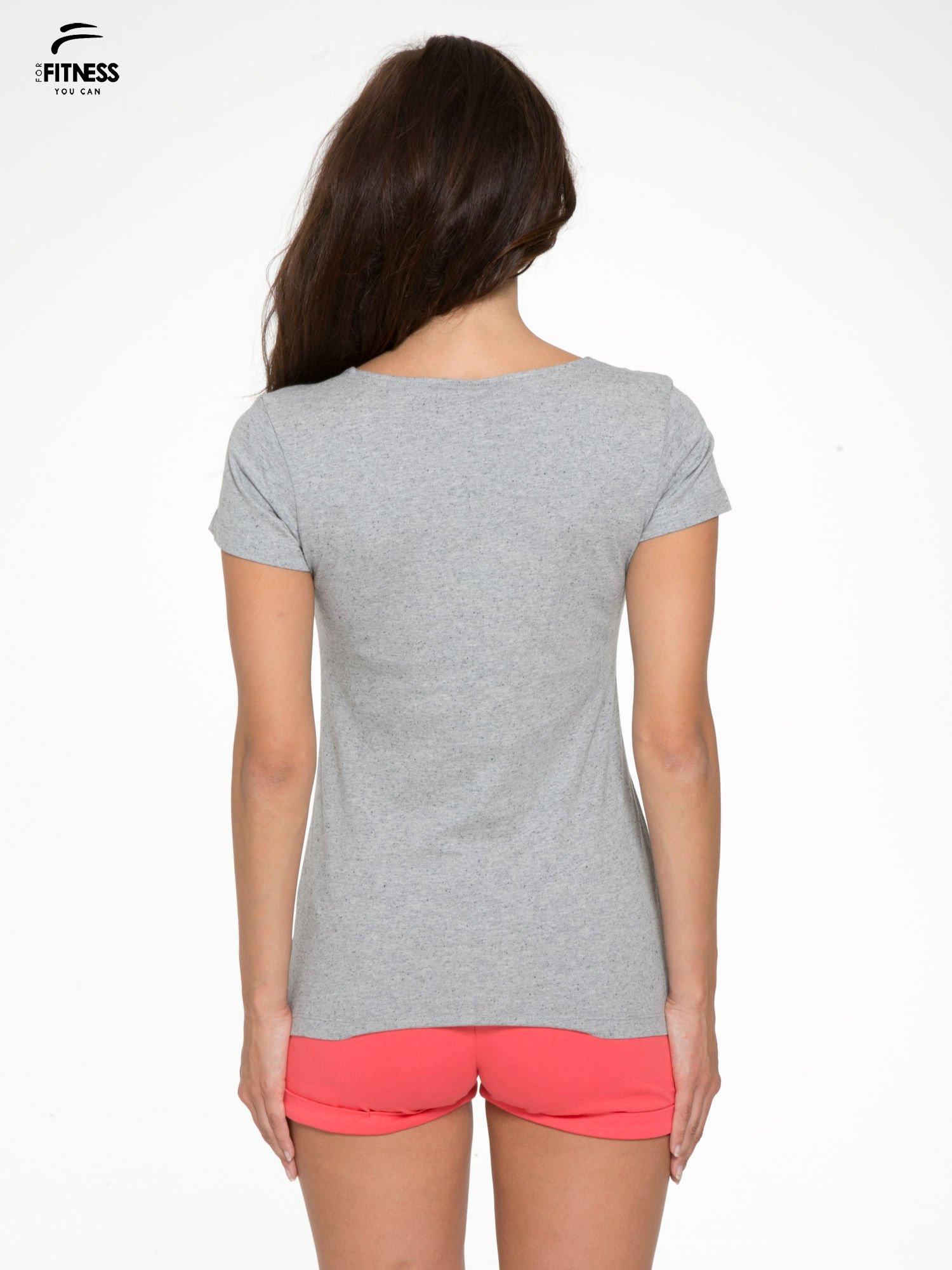 Szary bawełniany t-shirt damski typu basic                                  zdj.                                  4