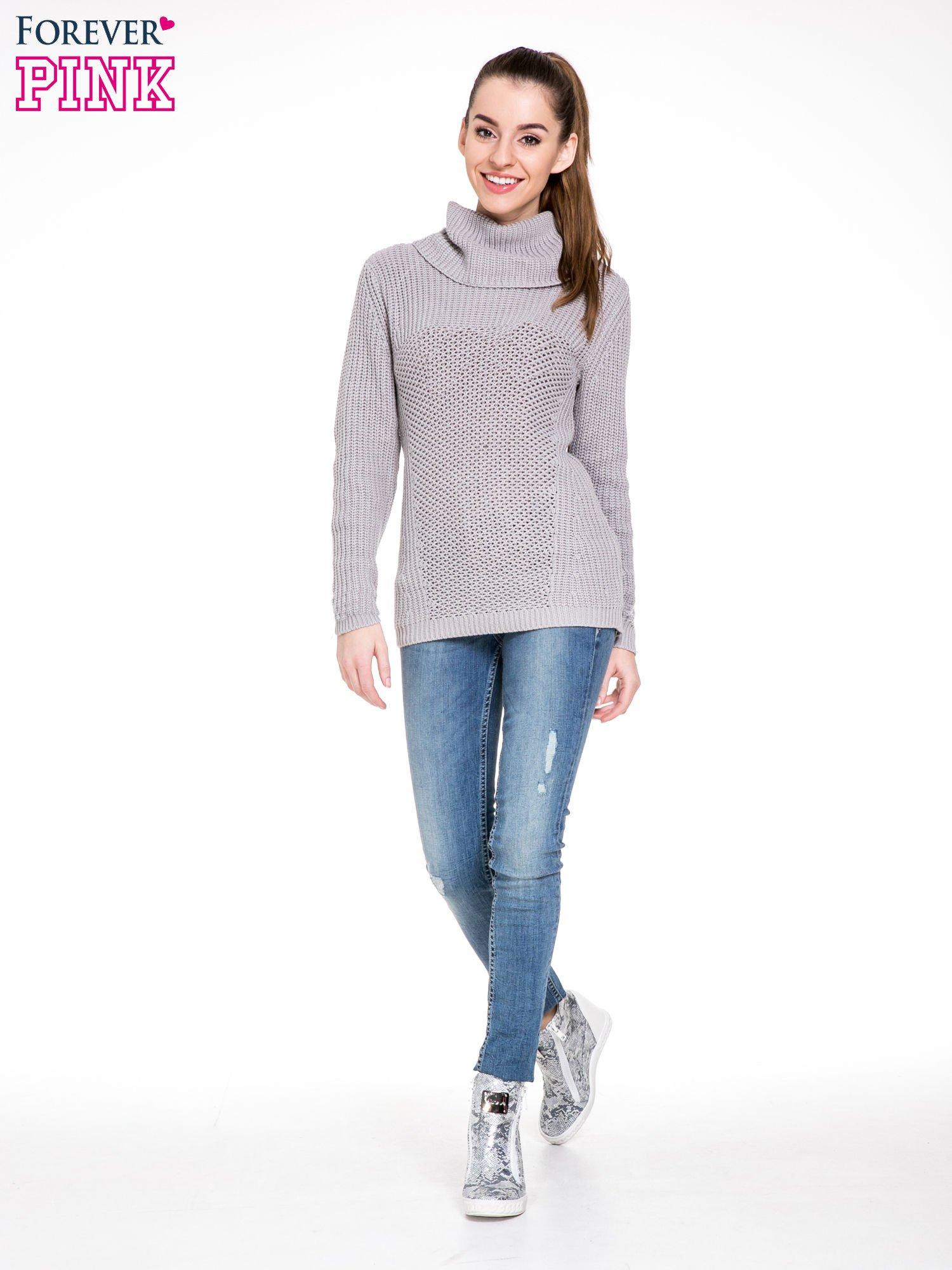 Szary ciepły sweter z golfowym kołnierzem                                  zdj.                                  2
