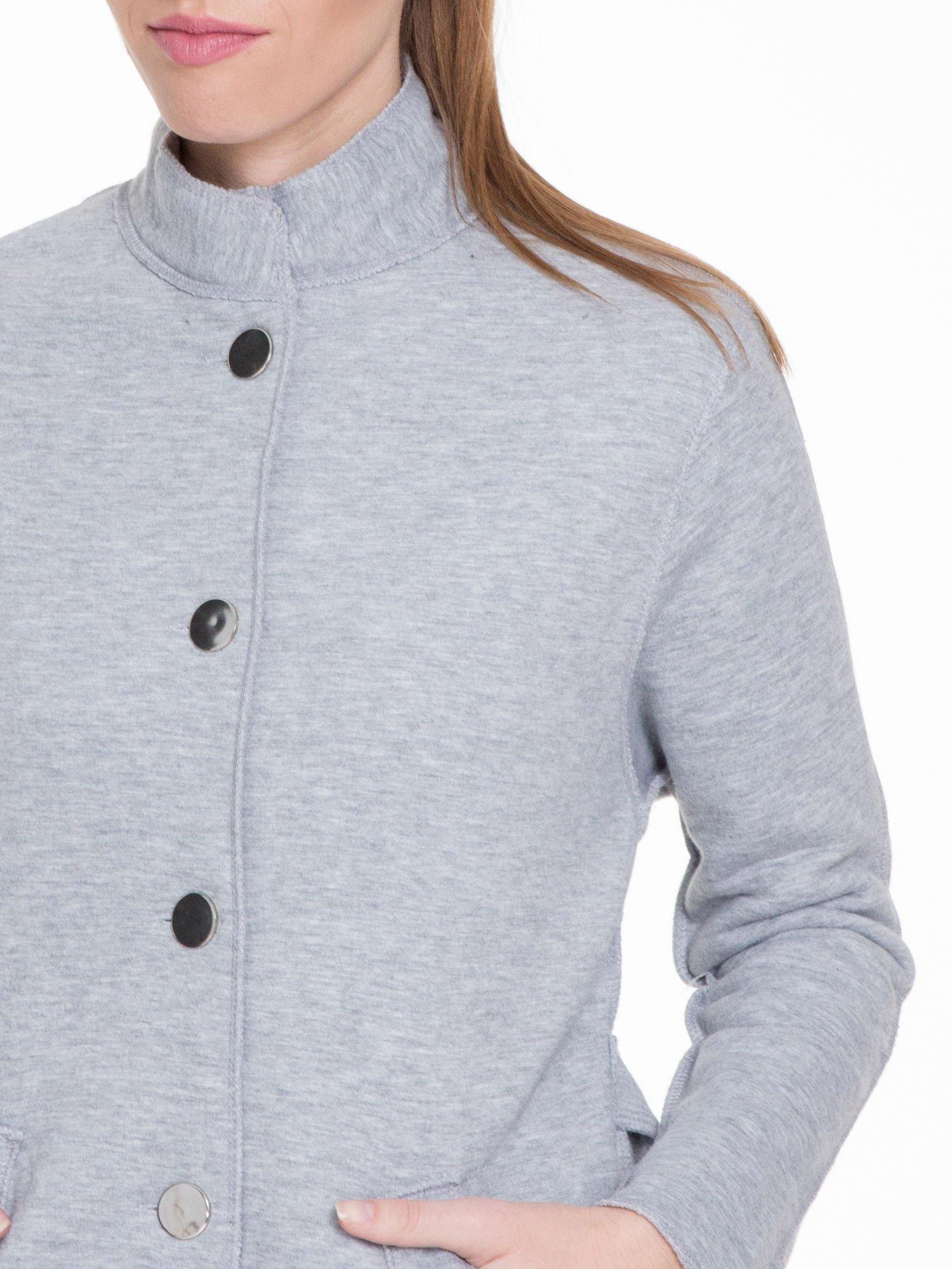 Szary dresowy płaszcz o kroju oversize                                  zdj.                                  7