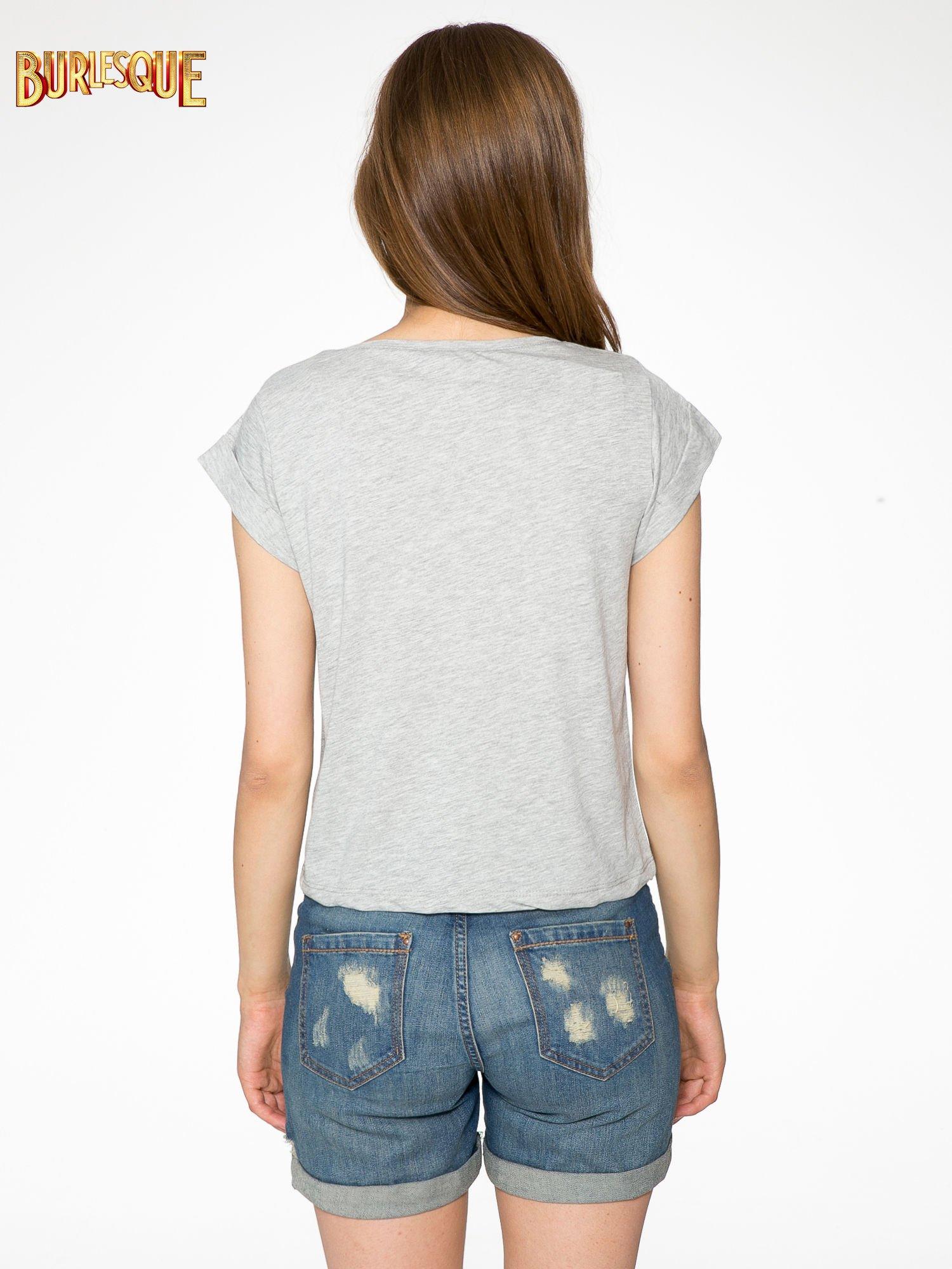 Szary krótki t-shirt z kwiatkami z cekinów                                  zdj.                                  4