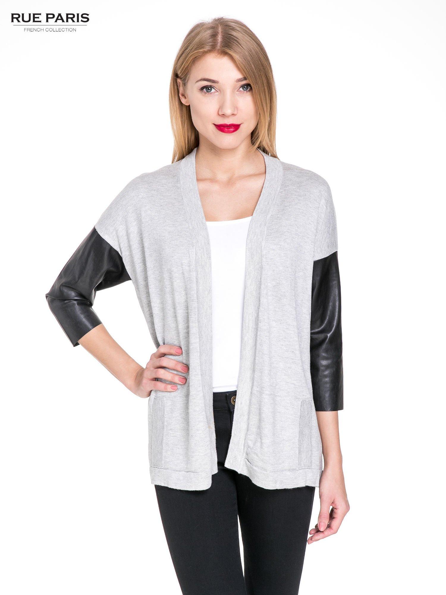 Szary sweter kardigan ze skórzanym rękawami 3/4                                  zdj.                                  1