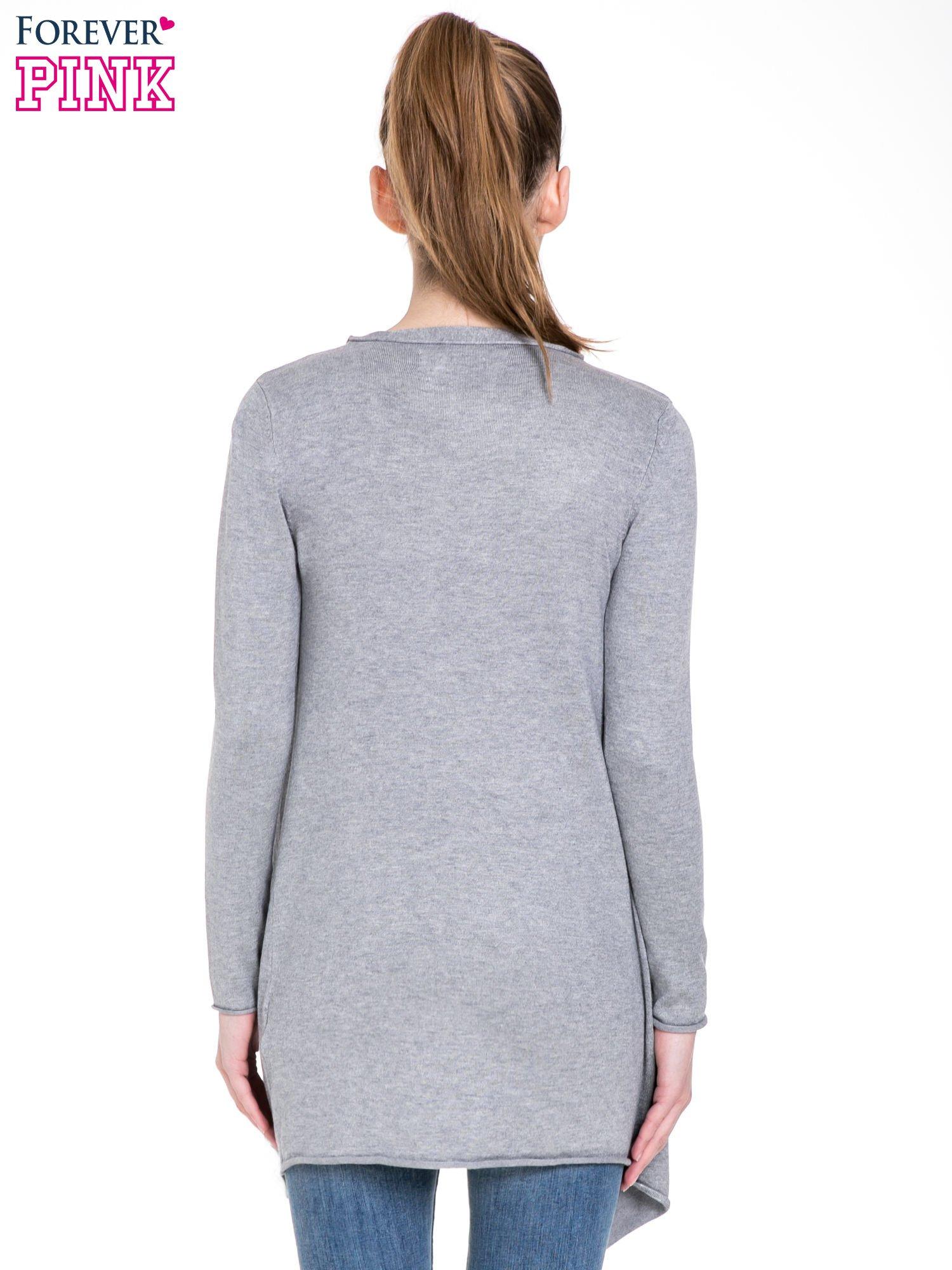 Szary sweter narzutka o kroju waterfall                                  zdj.                                  4
