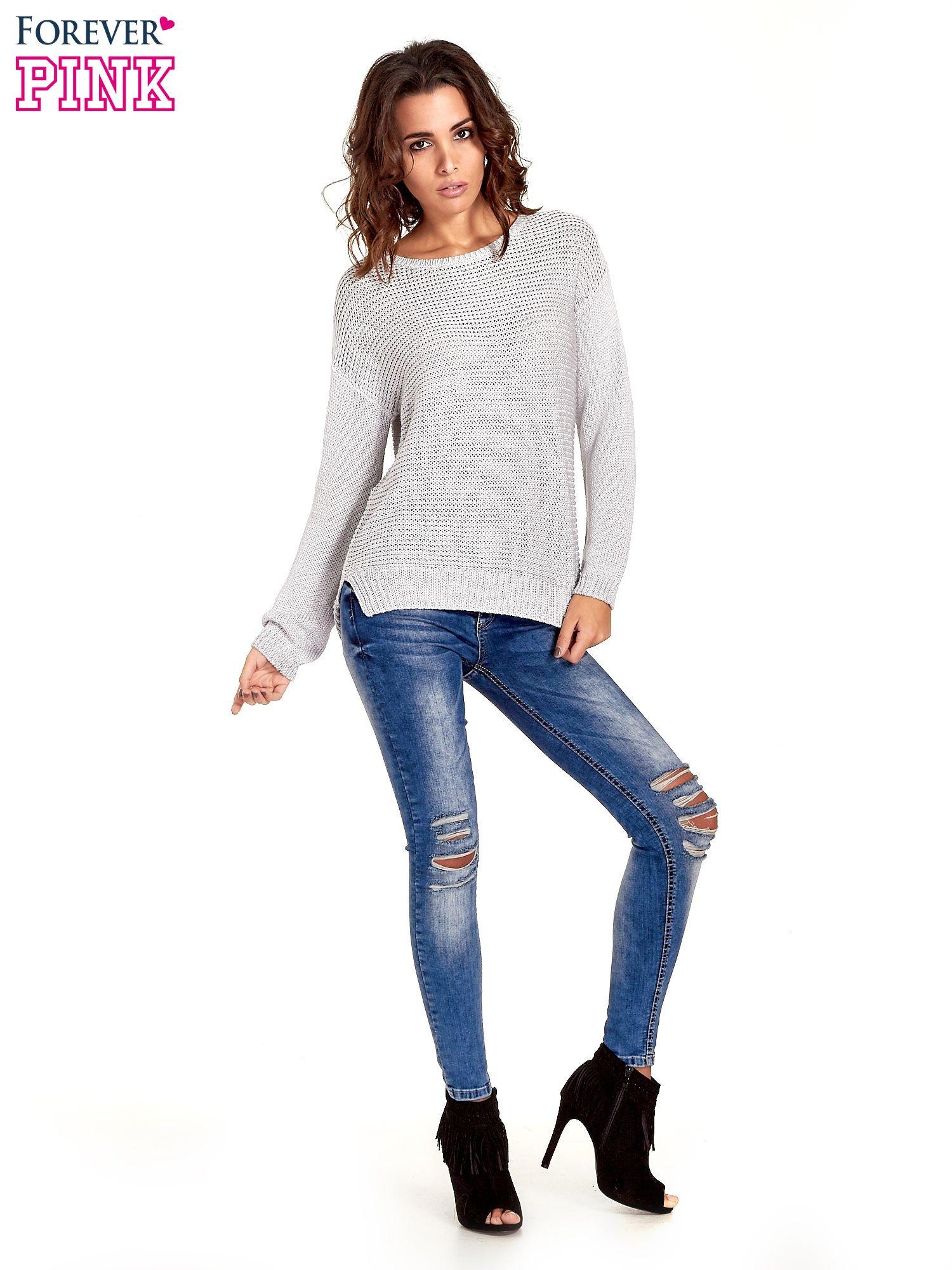 Szary sweter o większych oczkach                                  zdj.                                  8