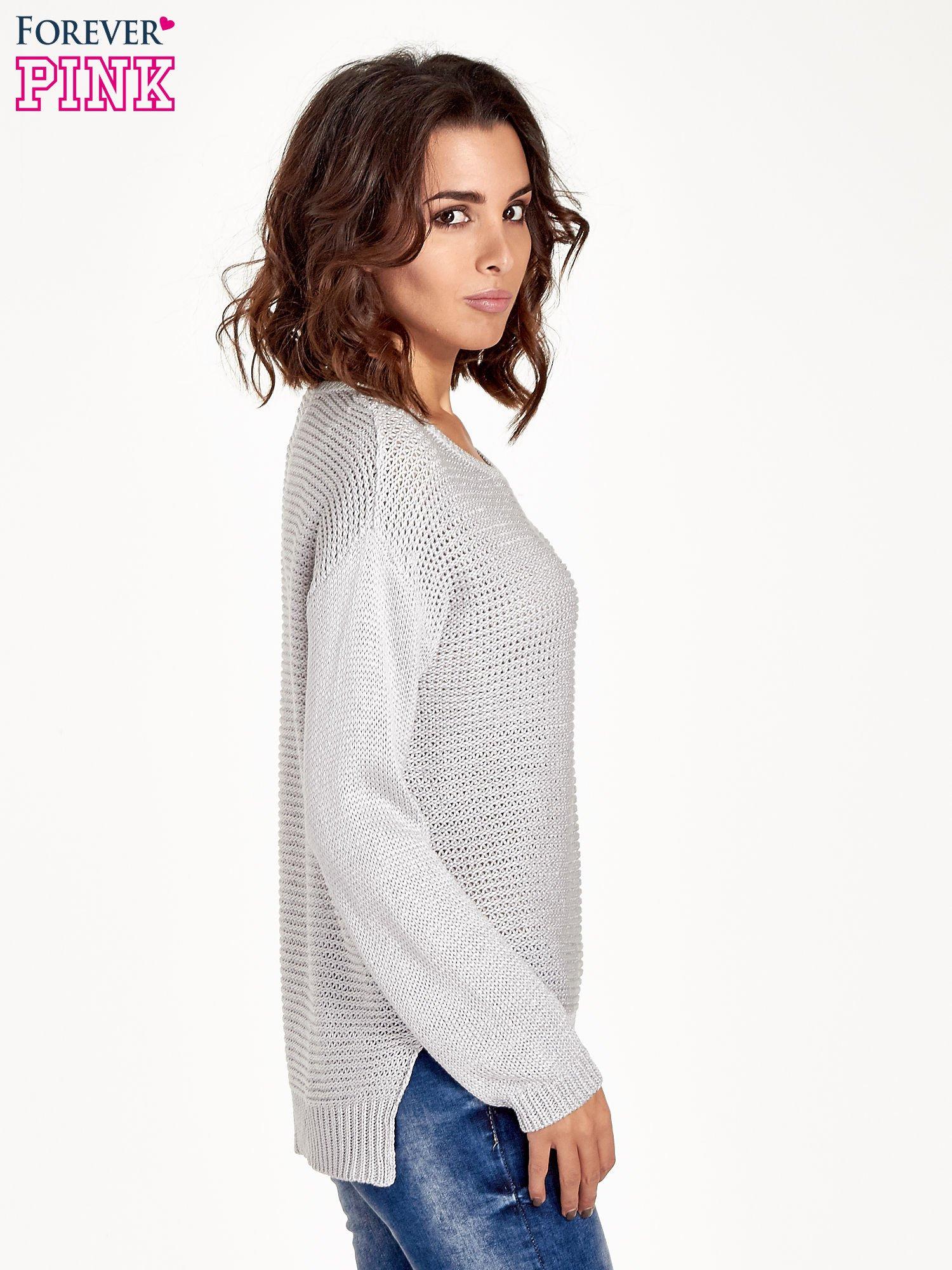 Szary sweter o większych oczkach                                  zdj.                                  3