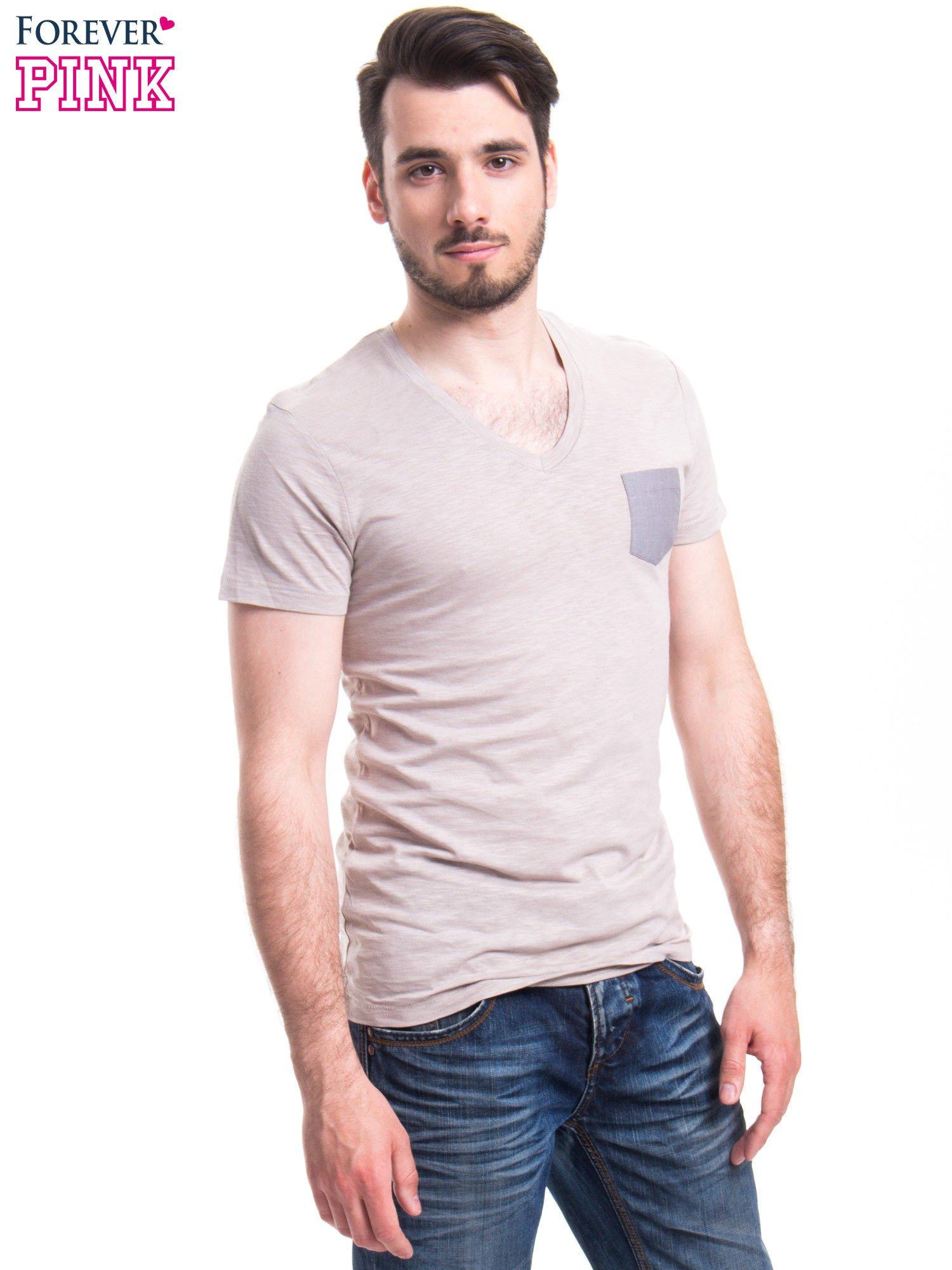 Szary t-shirt męski z kieszonką                                  zdj.                                  2