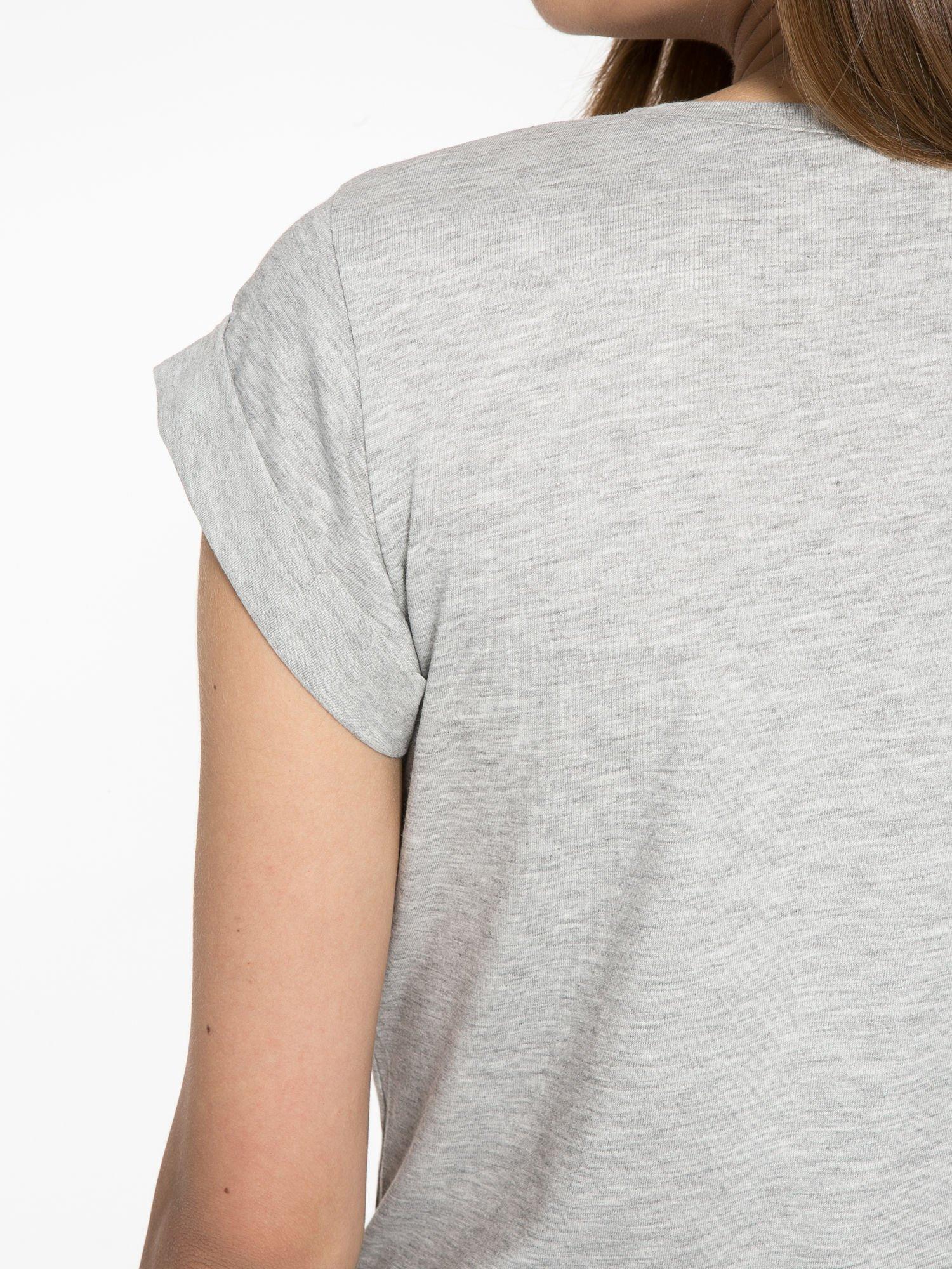 Szary t-shirt z nadrukiem Stich                                  zdj.                                  10