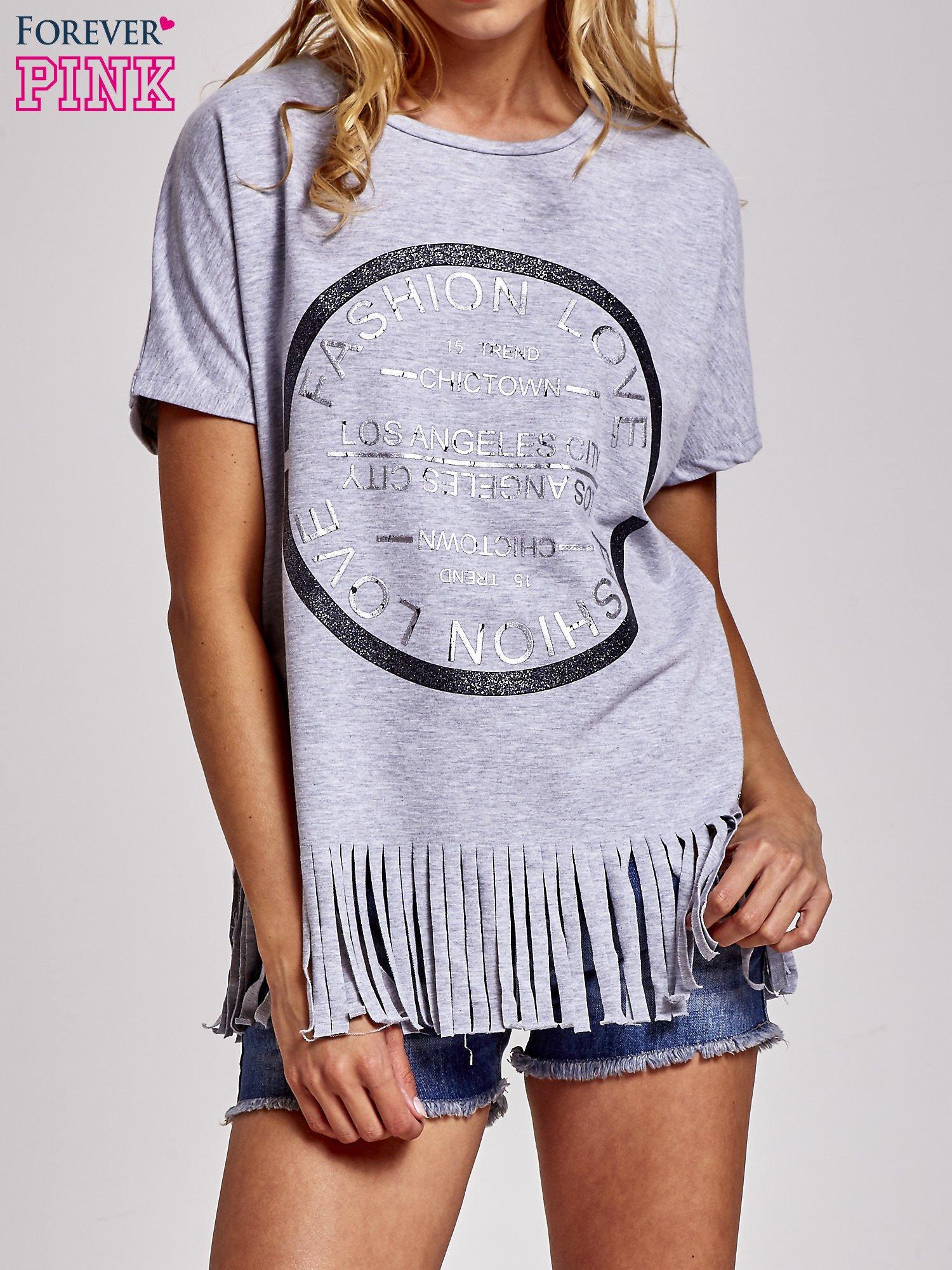 Szary t-shirt z nadrukiem i frędzlami                                  zdj.                                  1