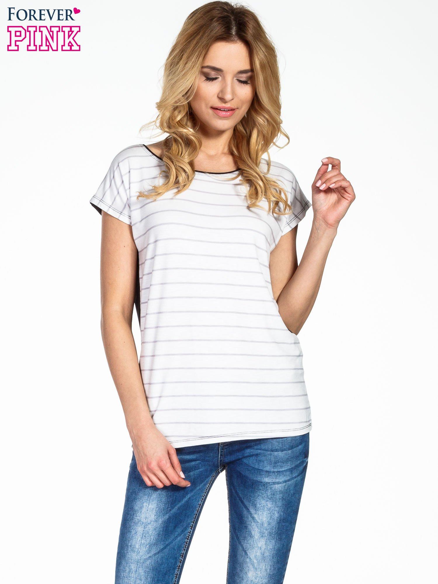 T-shirt w biało-czarne paski                                  zdj.                                  1