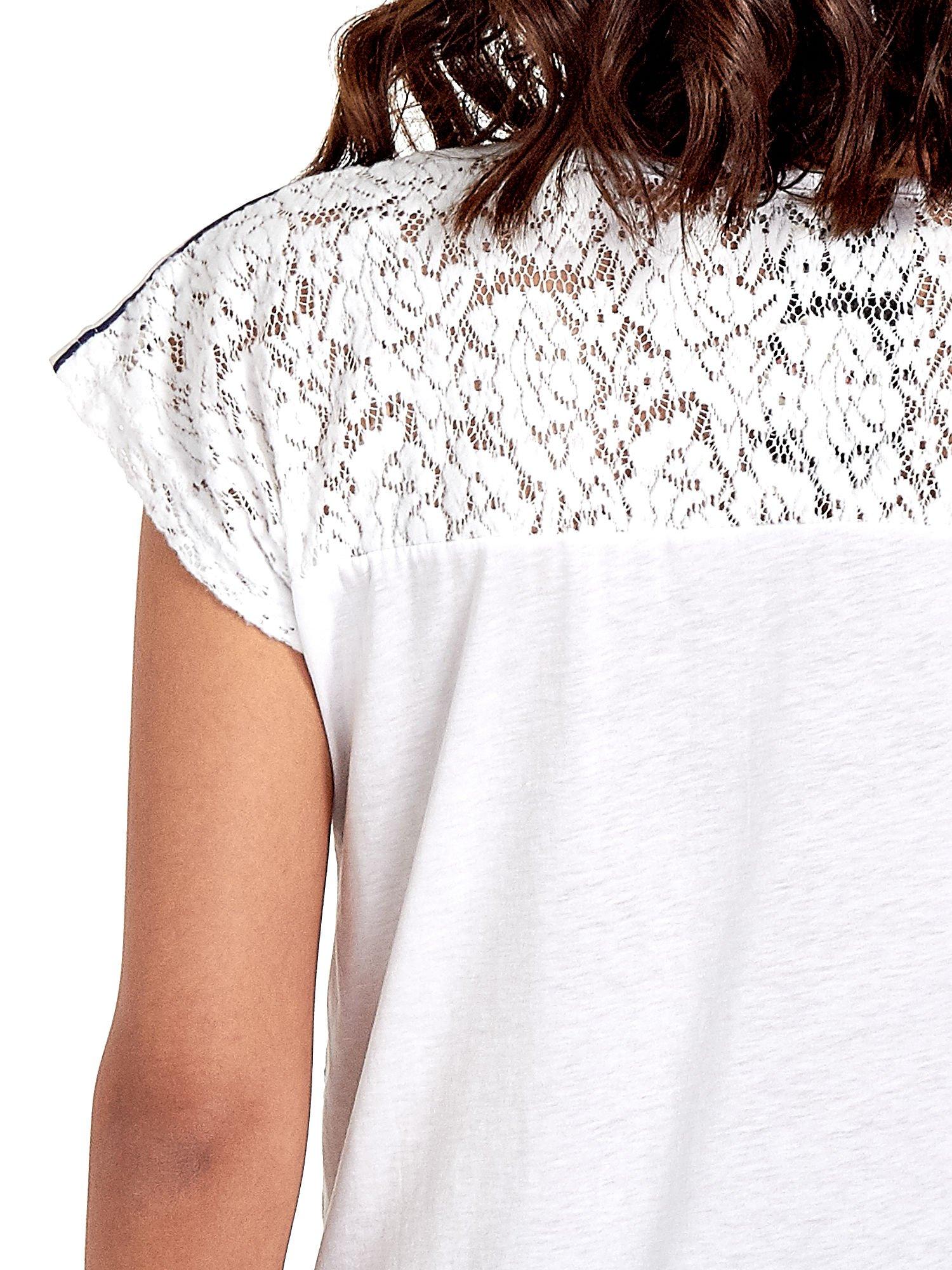 T-shirt w nieregularne paski                                  zdj.                                  6
