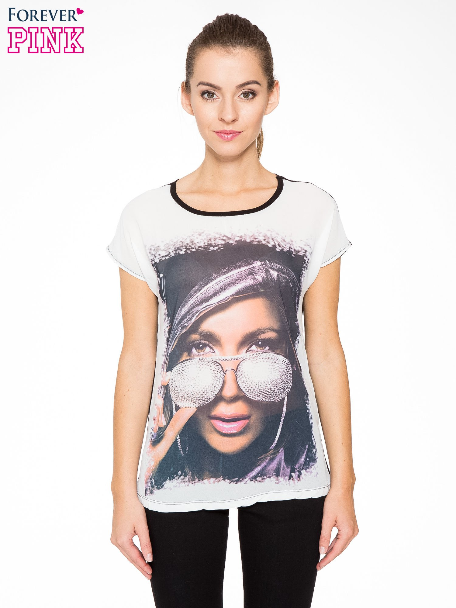 T-shirt z nadrukiem w stylu glam i czarnym tyłem                                  zdj.                                  1