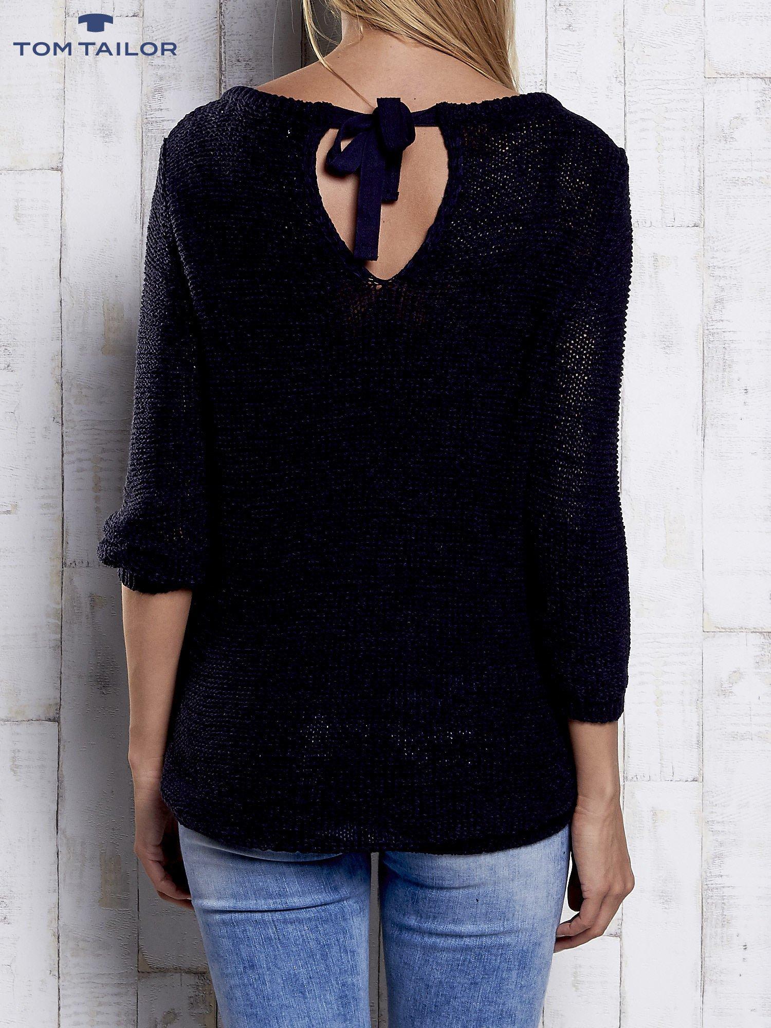 TOM TAILOR Granatowy sweter z kokardą na plecach                                  zdj.                                  5