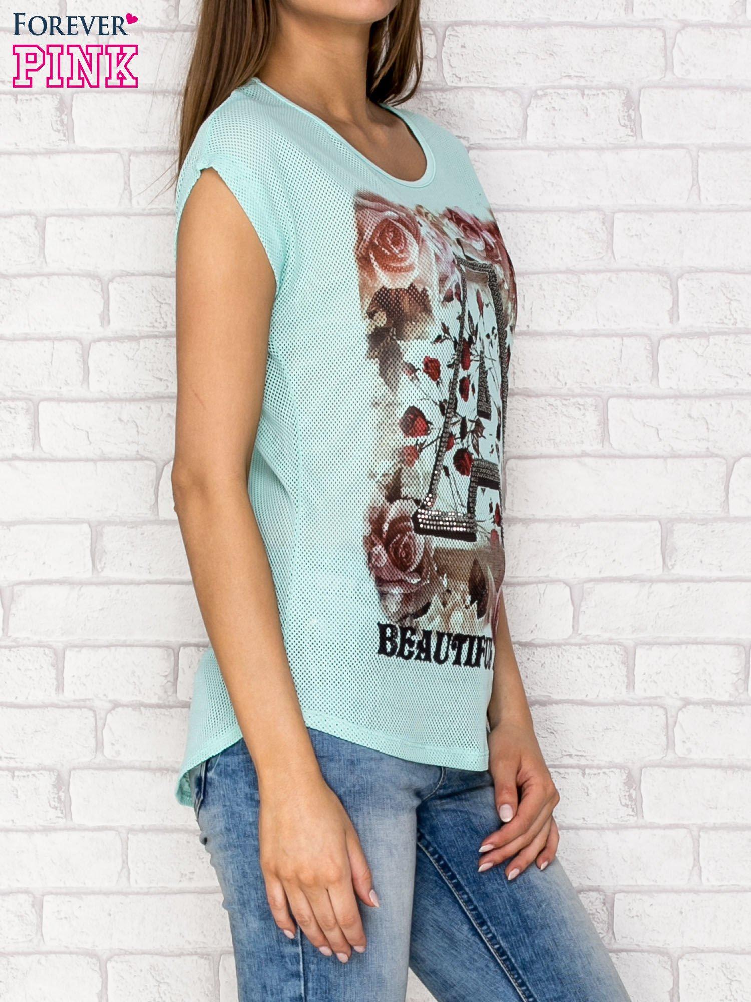 Turkusowy siateczkowy t-shirt z literą A z dżetami                                  zdj.                                  3