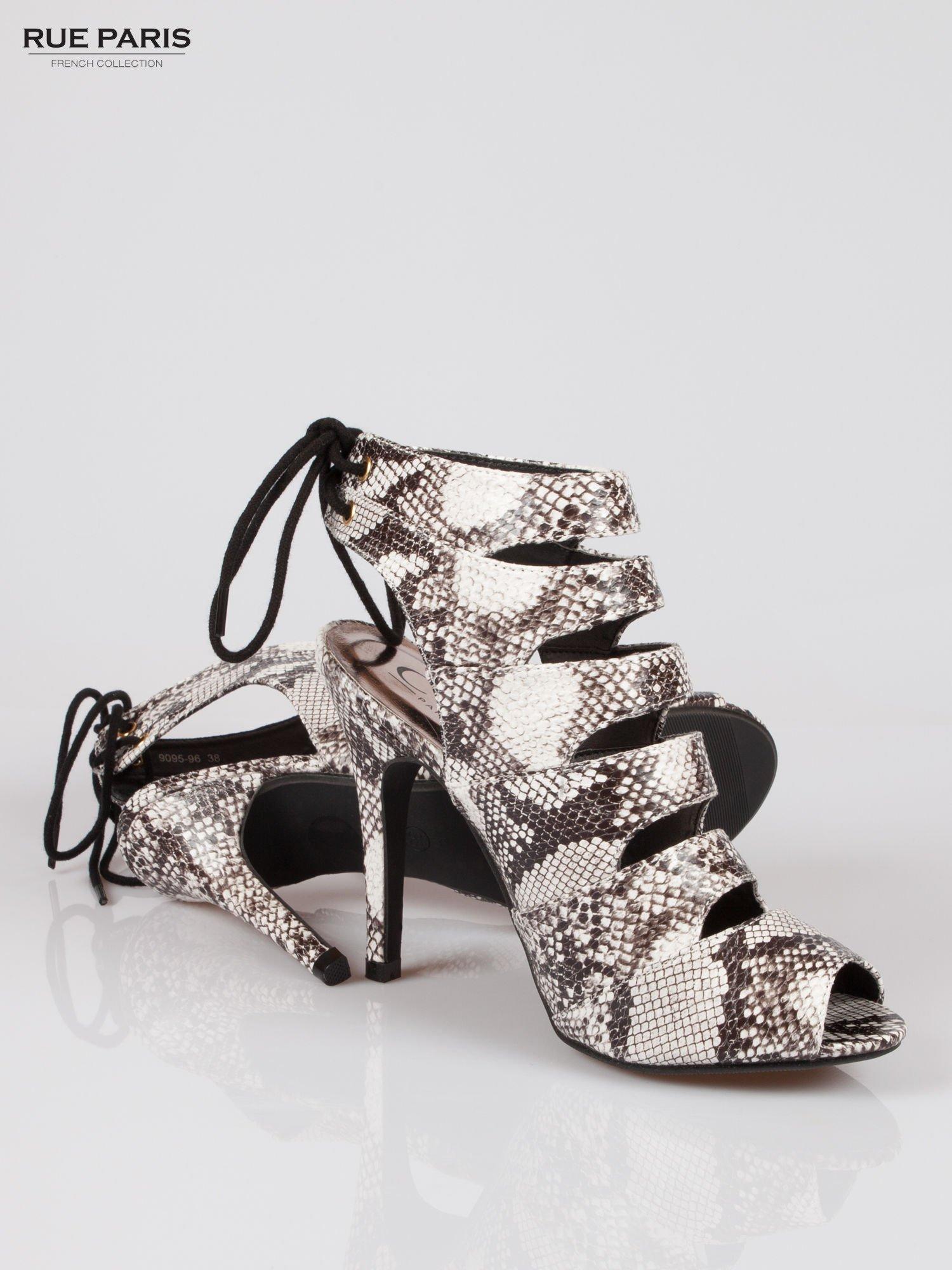 Wężowe wiązane botki faux suede Gina lace up cut out z odkrytą piętą                                  zdj.                                  4