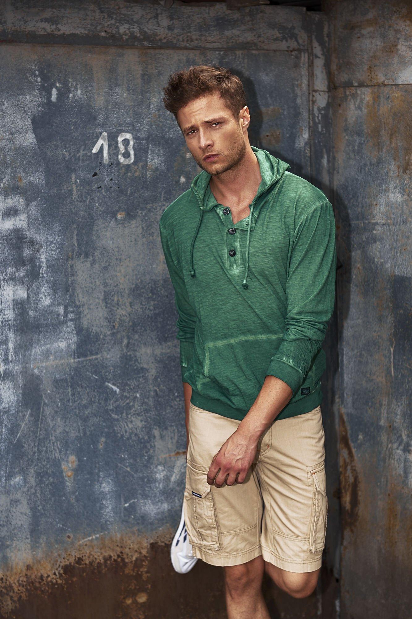 Zielona bluza męska z efektem acid wash Funk n Soul                                  zdj.                                  1
