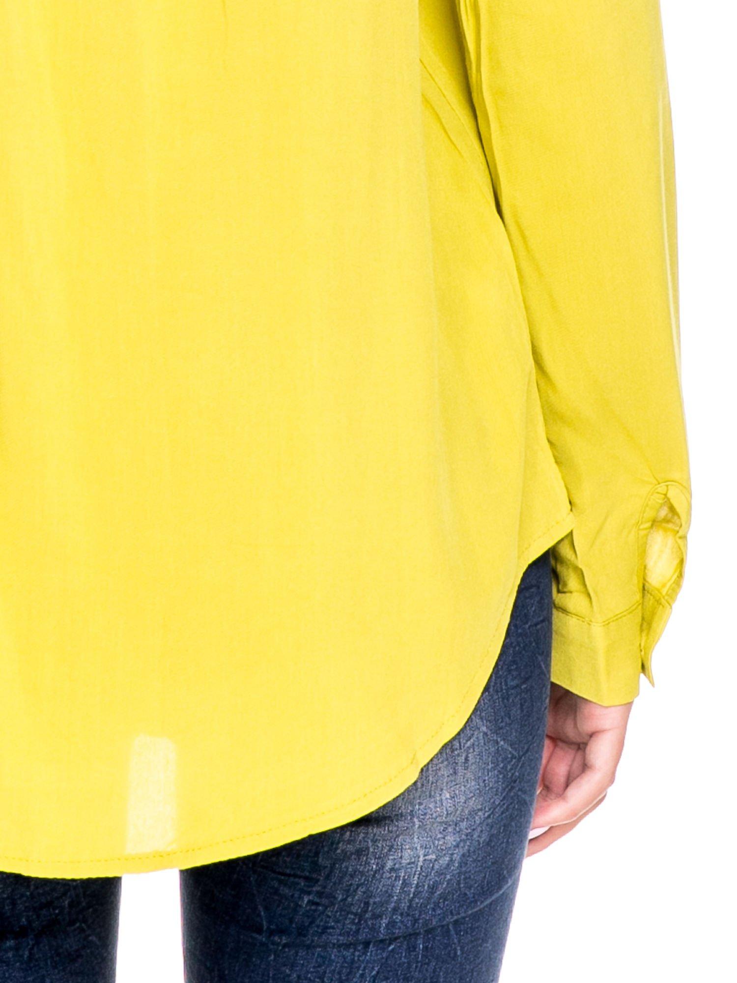 Zielona klasyczna koszula z kieszonkami po bokach                                  zdj.                                  7