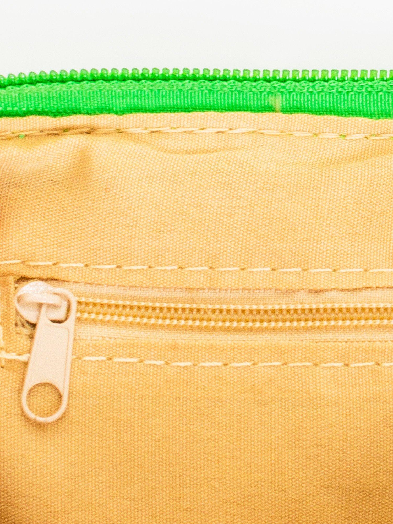 Zielona kopertówka z dżetami motyw ust                                  zdj.                                  6
