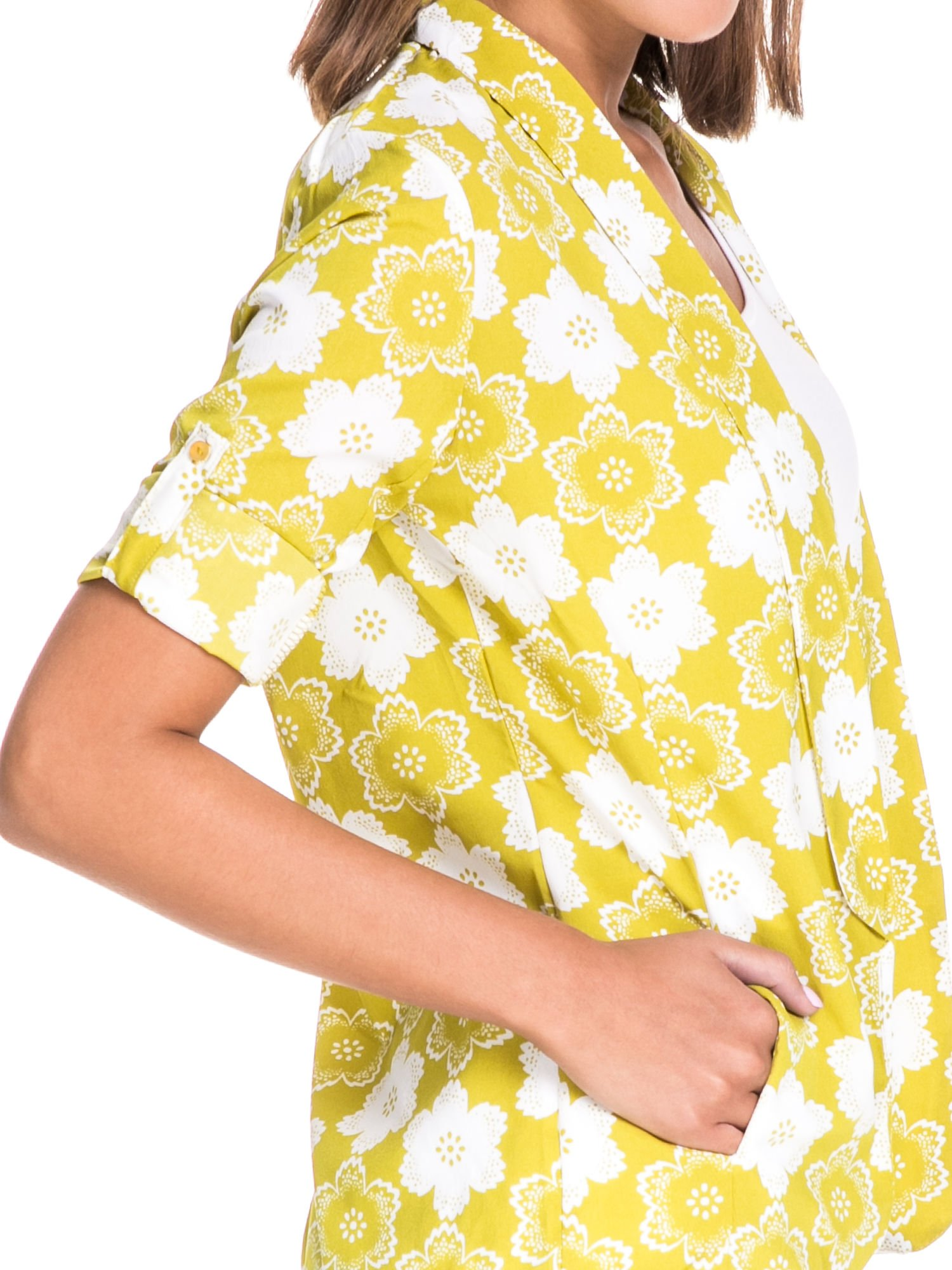 Zielona koszulonarzutka we wzór w kwiaty                                  zdj.                                  7