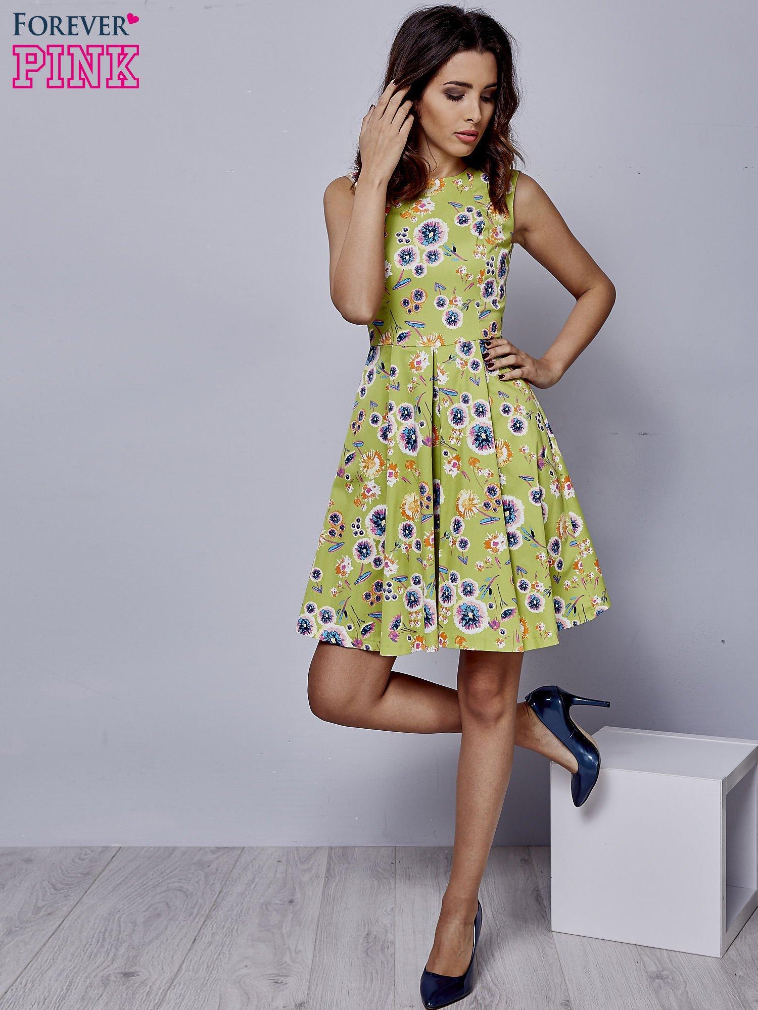 Zielona rozkloszowana sukienka w białe kwiaty                                  zdj.                                  4