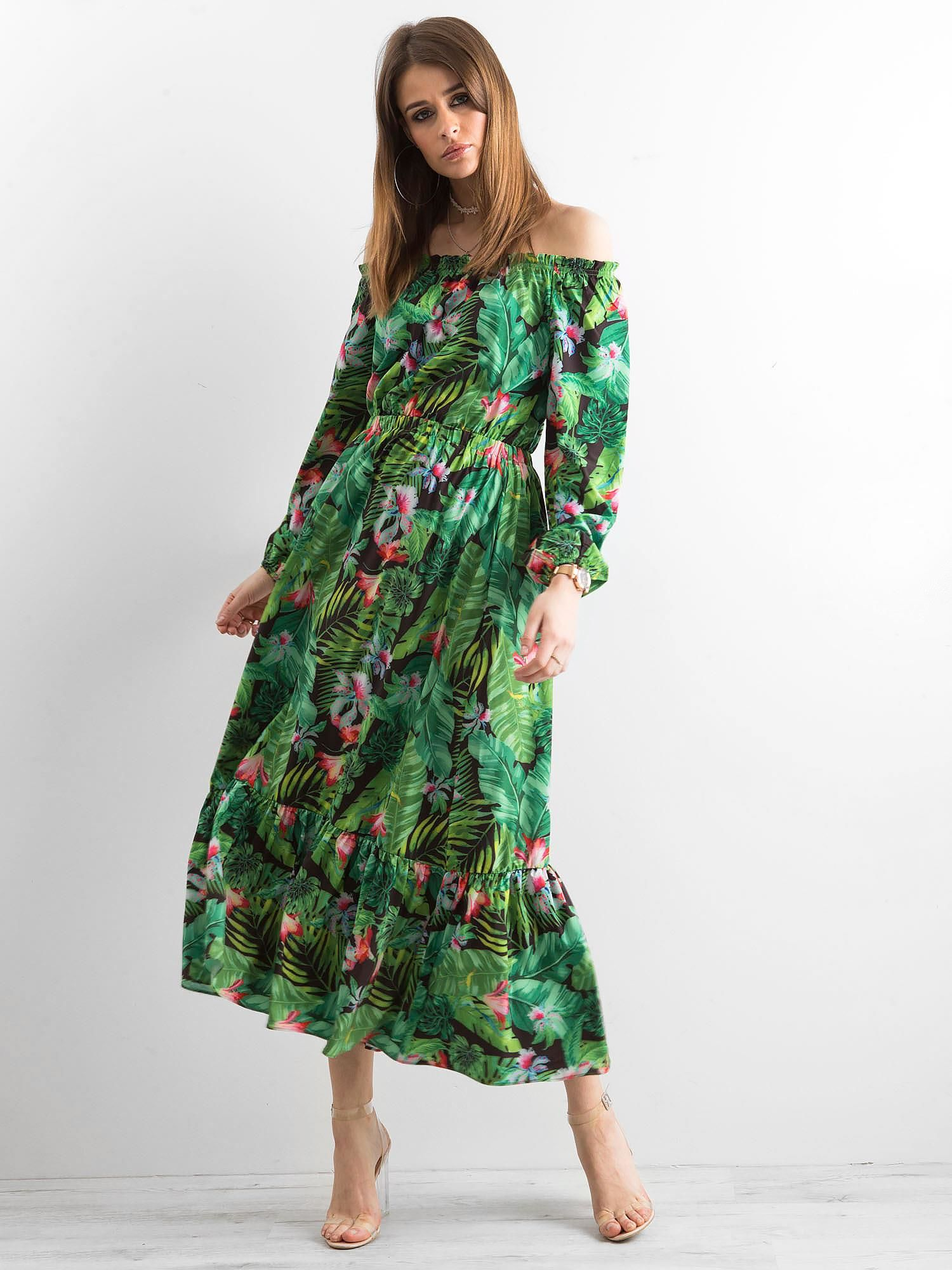 e0746190d0 Zielona sukienka z hiszpańskim dekoltem - Sukienka z printem - sklep ...
