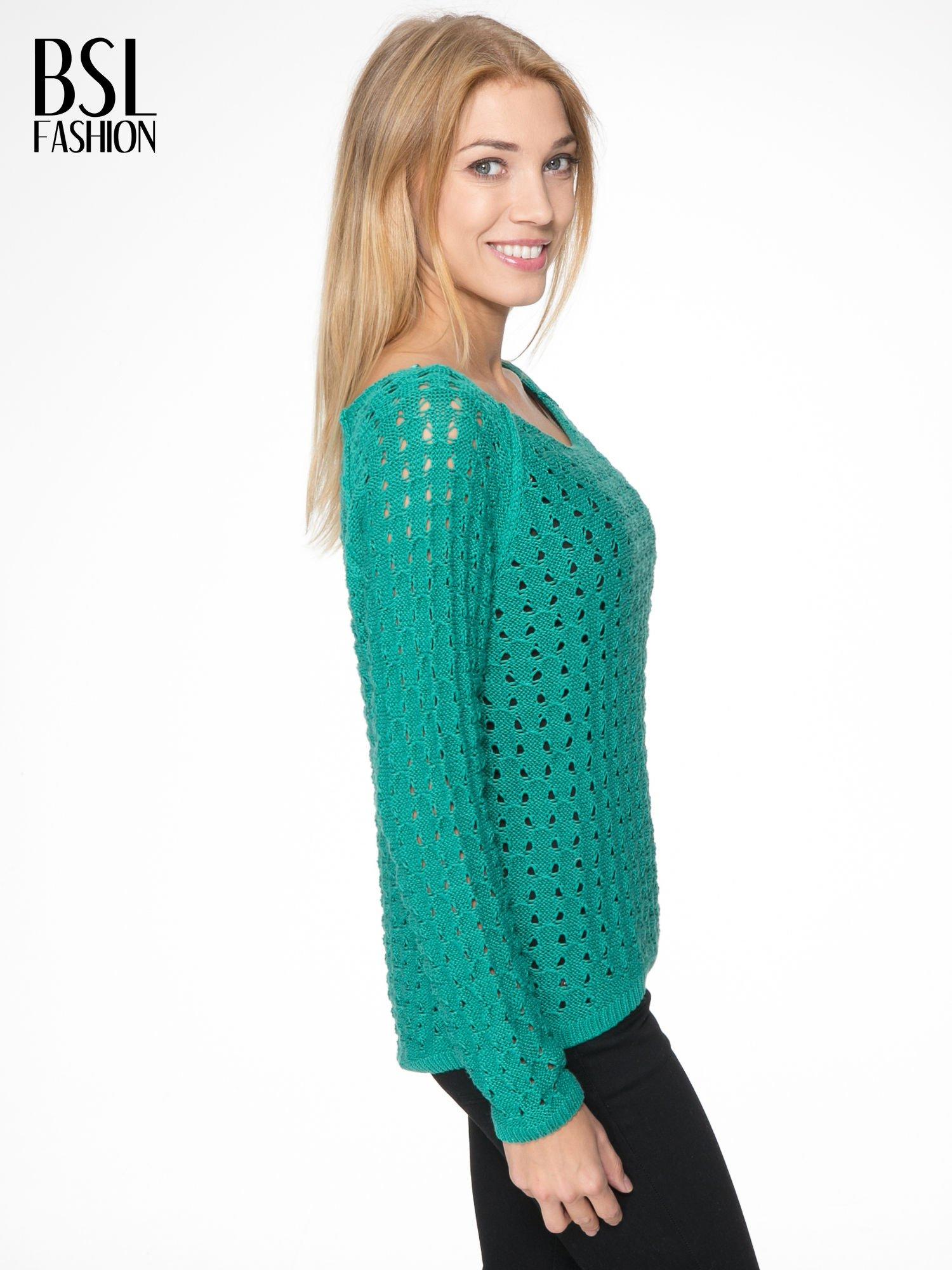 Zielony dziergany sweter z ozdobnymi oczkami                                  zdj.                                  3