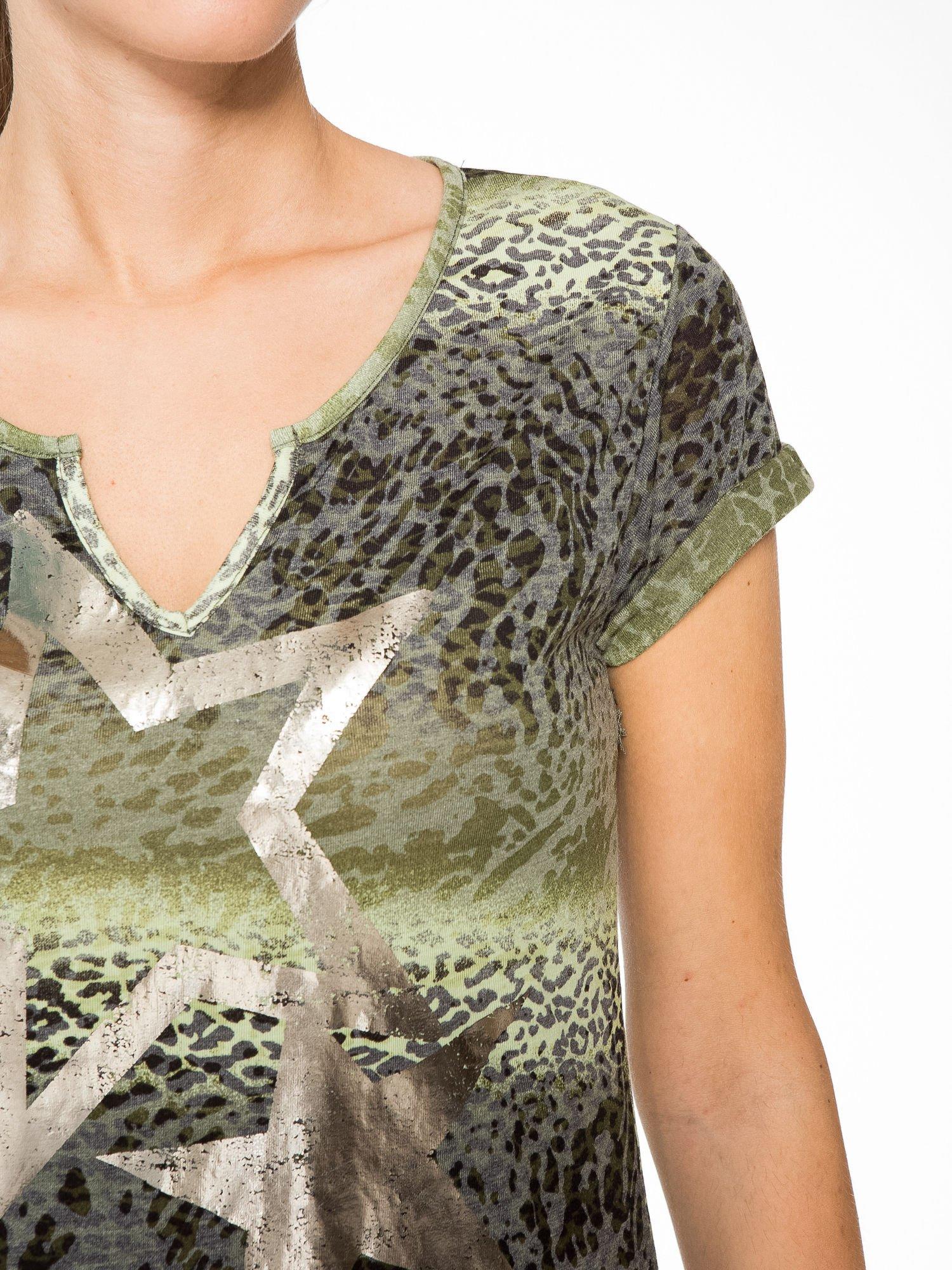 Zielony panterkowy t-shirt z nadrukiem gwiazdy                                  zdj.                                  7