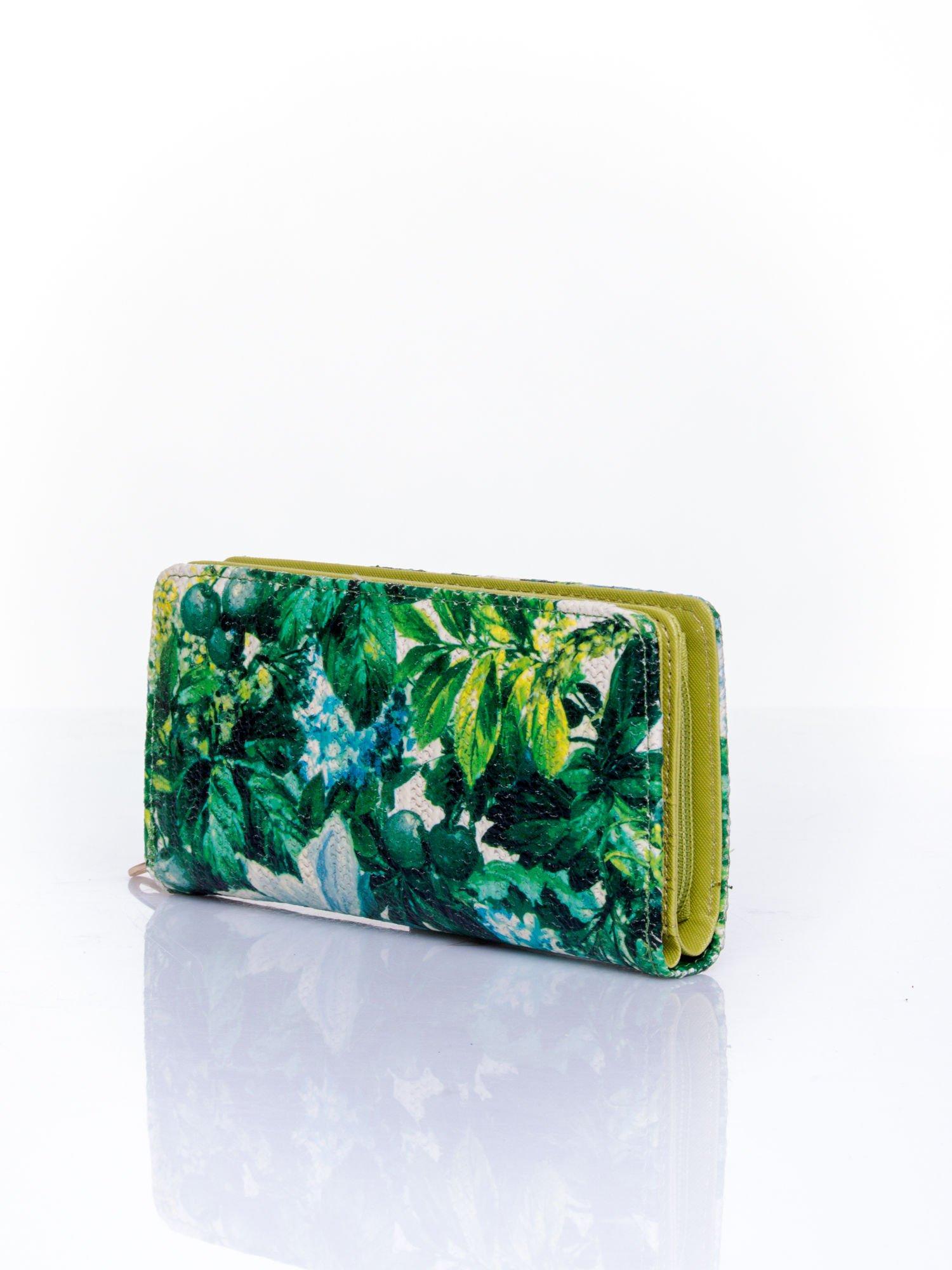 Zielony portfel z egzotycznym nadrukiem                                  zdj.                                  3