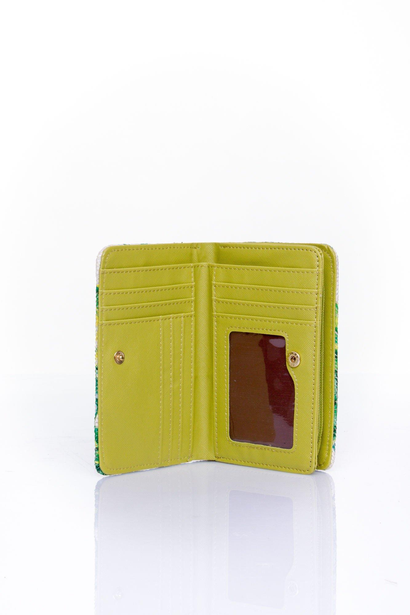 Zielony portfel z kwiatowym nadrukiem                                  zdj.                                  4