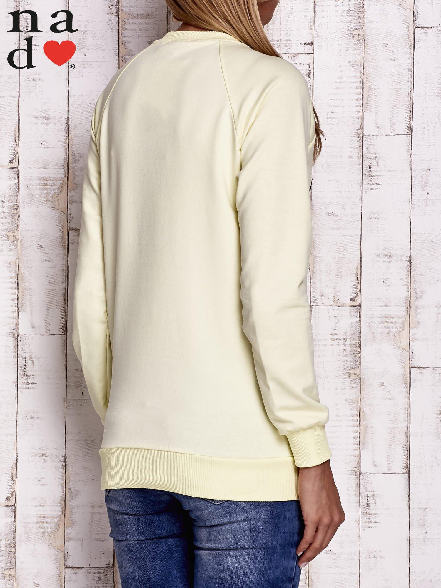 Żółta bluza z dwustronną naszywką z cekinów                                  zdj.                                  2