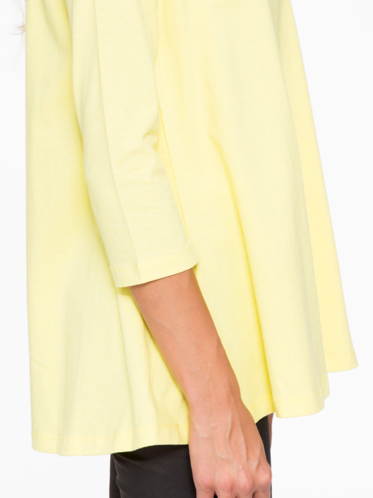 Żółta bluzka o rozkloszowanym kroju z rękawem 3/4                                  zdj.                                  8
