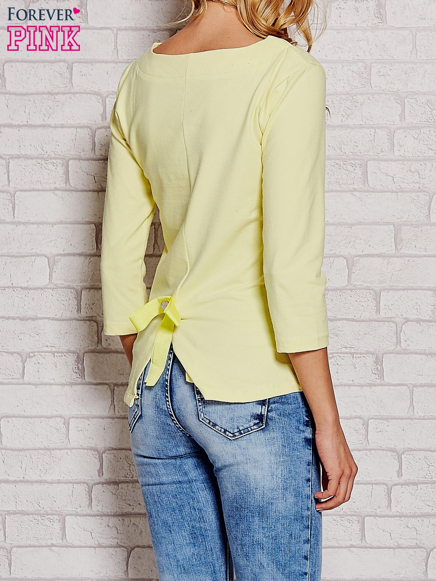 Żółta bluzka z kokardką z tyłu                                  zdj.                                  4