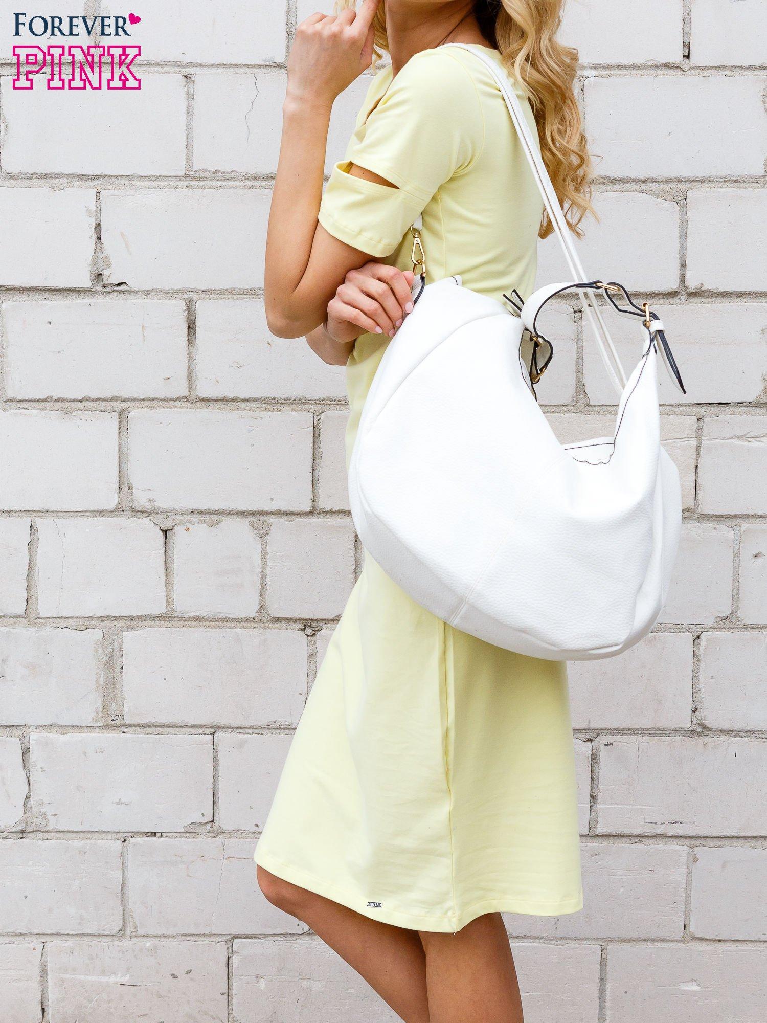 Żółta sukienka z rozcięciami na rękawach                                  zdj.                                  2