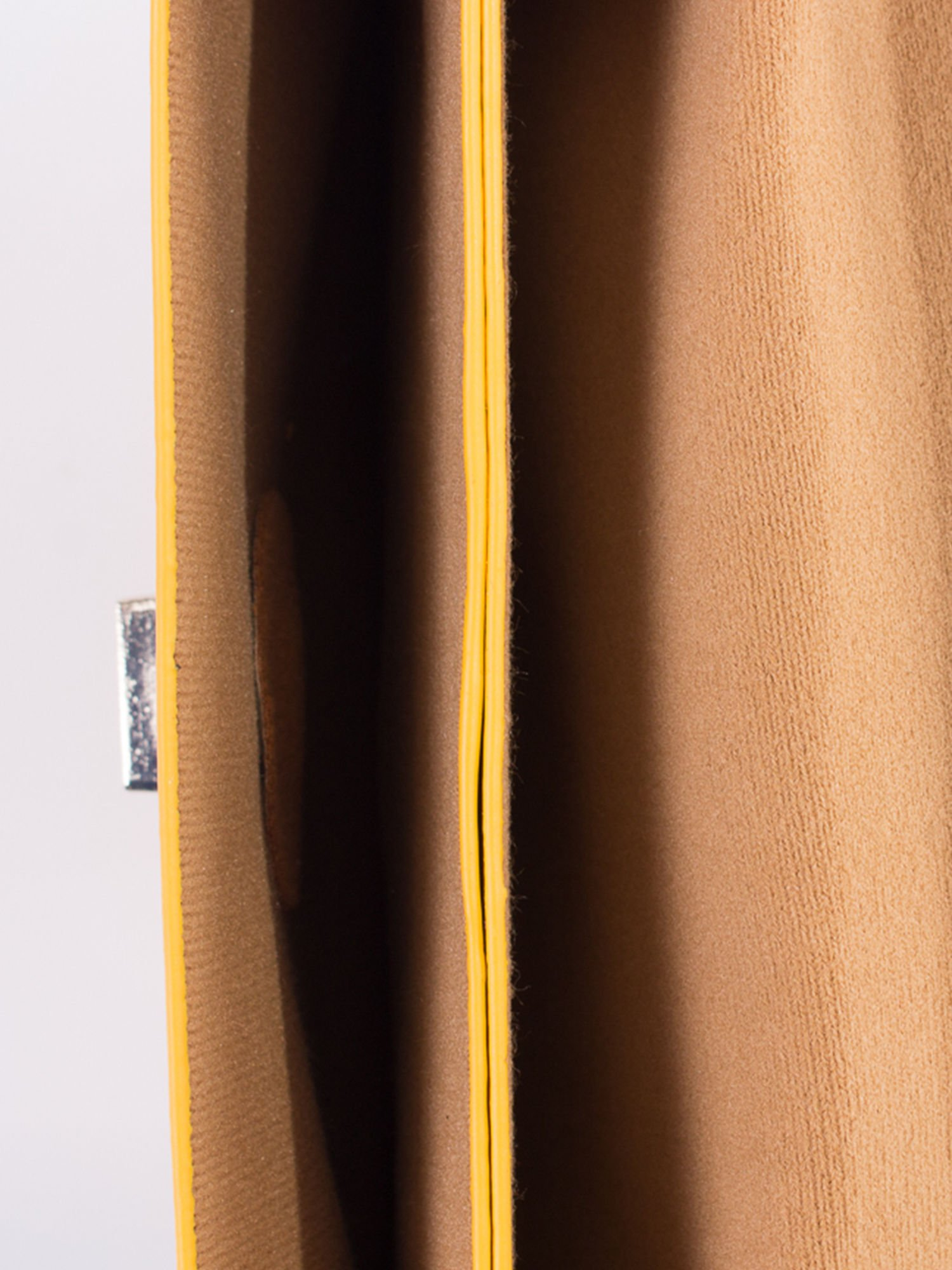 Żółta torebka listonoszka z falowanym wykończeniem                                  zdj.                                  6