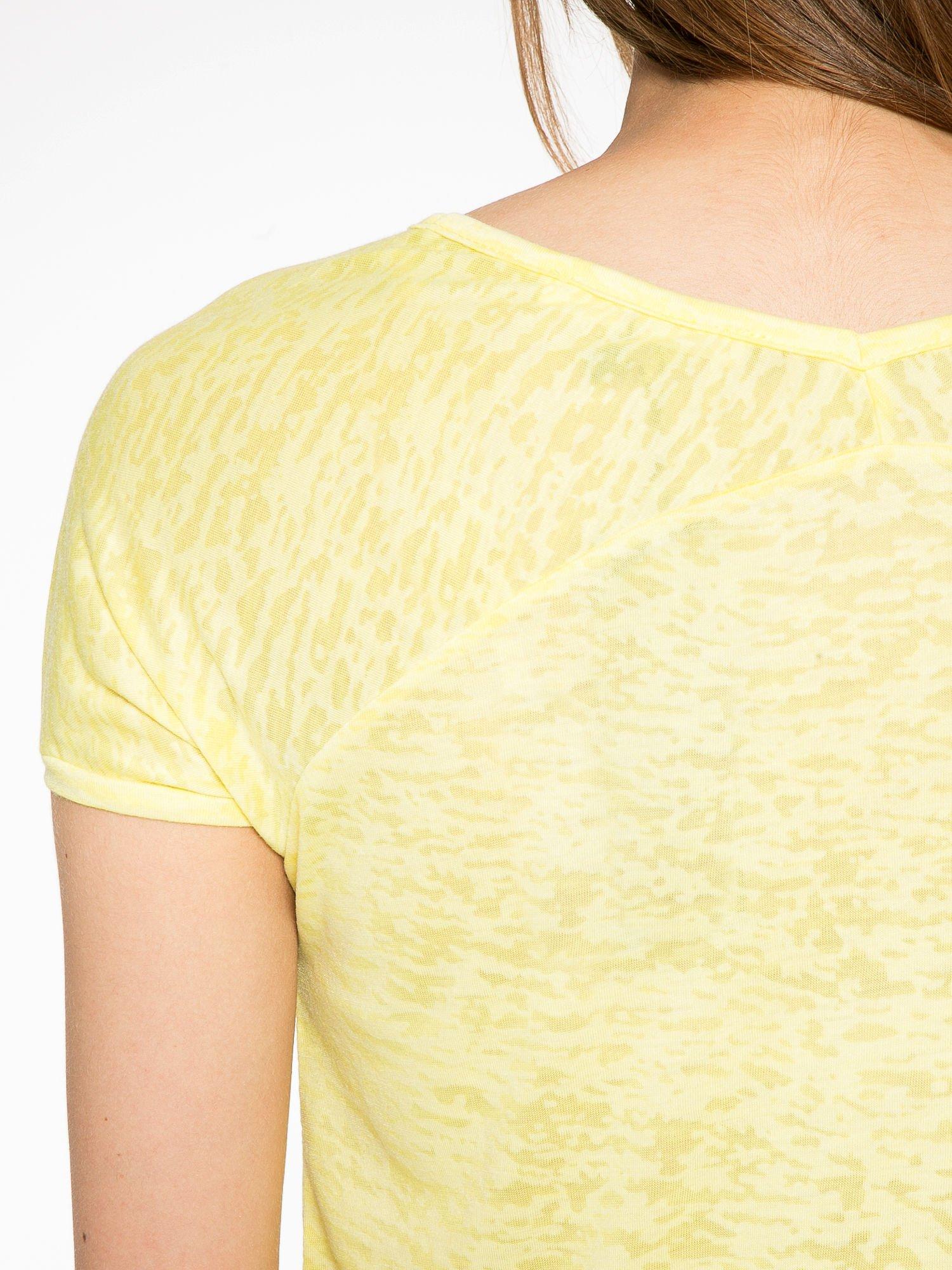 Żółty t-shirt z nadrukiem BEAUTIFUL                                  zdj.                                  9