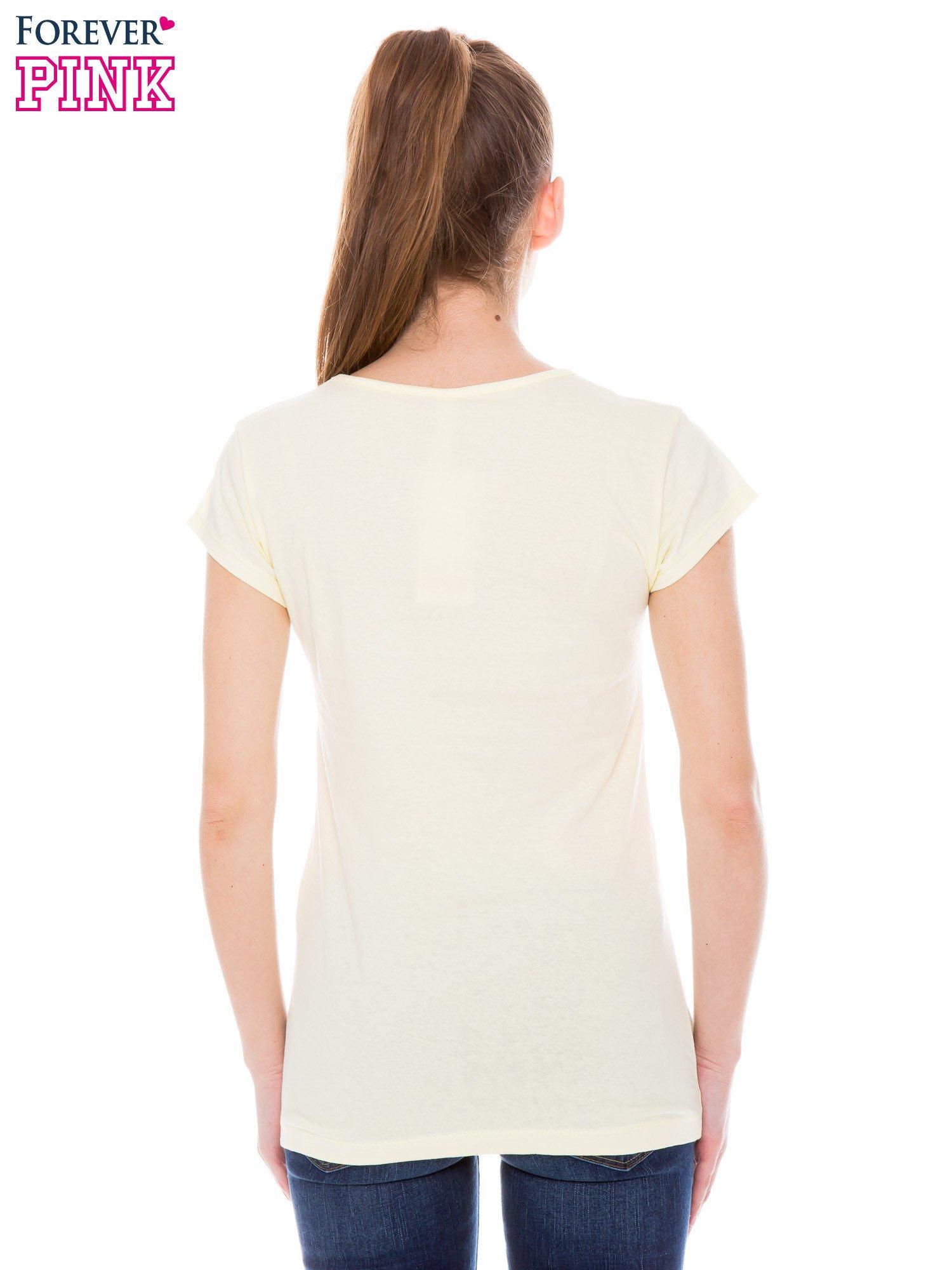 Żółty t-shirt z nadrukiem kotki w nerdach                                  zdj.                                  3