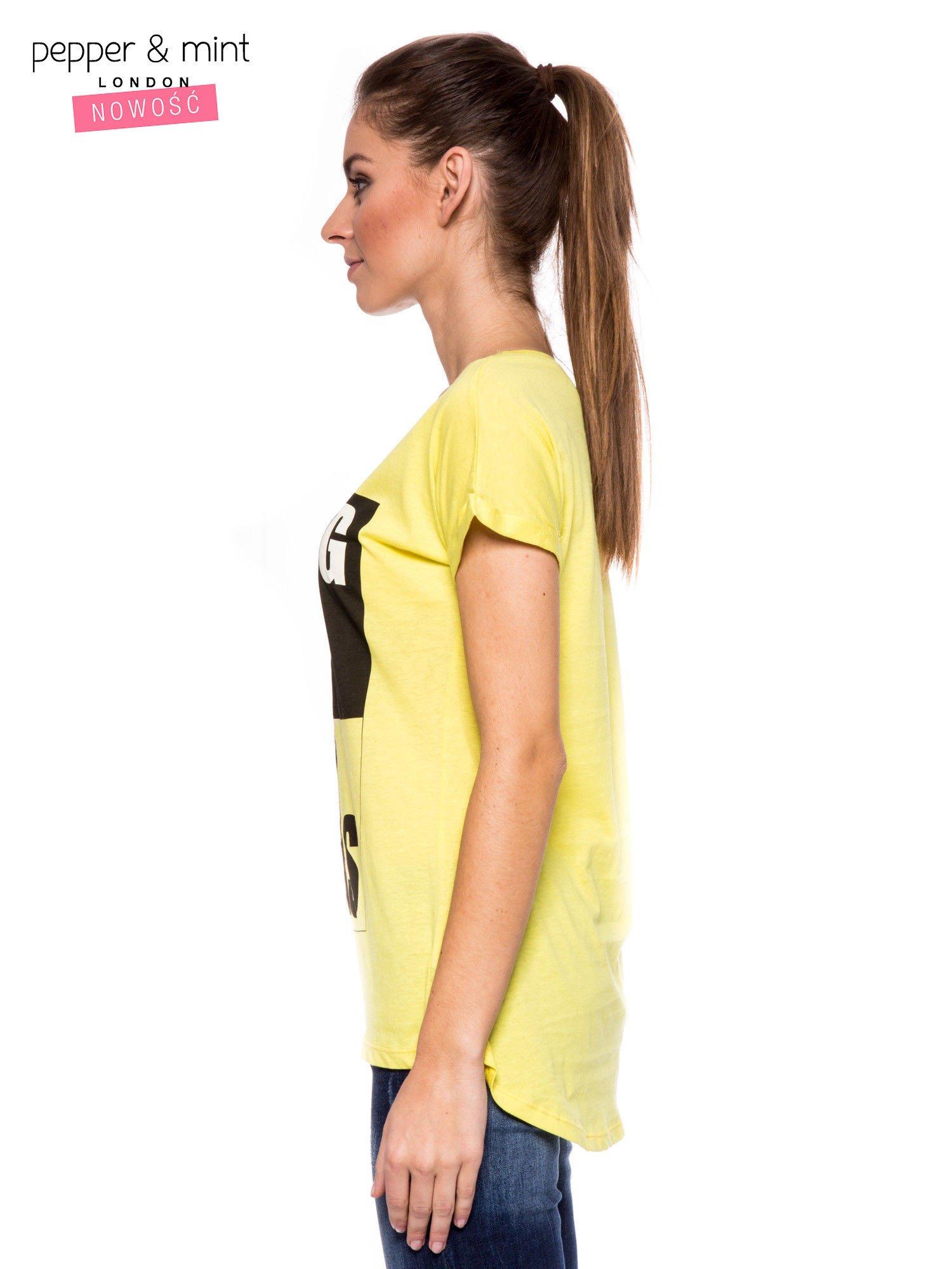 Żółty t-shirt z nadrukiem psa w nerdach                                  zdj.                                  2