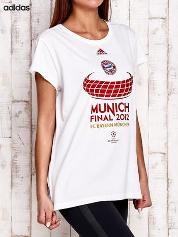 ADIDAS Biały t-shirt z piłkarskim nadrukiem                                  zdj.                                  2