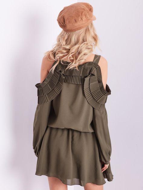 BY O LA LA Khaki sukienka cut out z plisowanym żabotem                              zdj.                              4