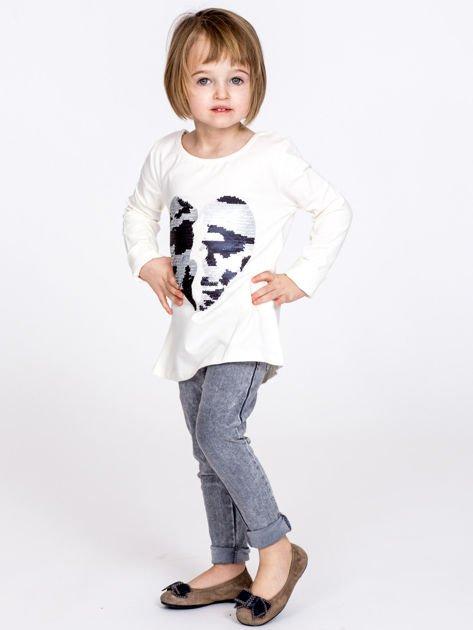 Bawełniana ecru bluzka dziewczęca z cekinowym sercem                              zdj.                              7