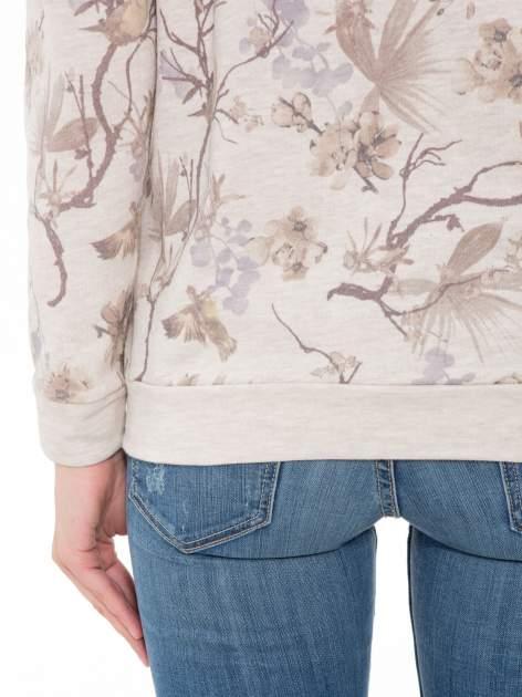 Beżowa bluza z nadrukiem all over floral print                                  zdj.                                  8