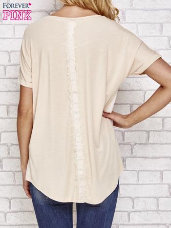 Beżowa bluzka koszulowa z koronką z tyłu                                  zdj.                                  4