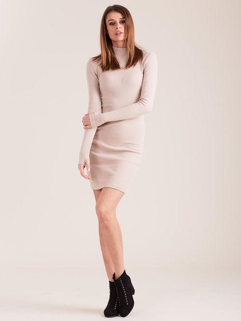 Beżowa dopasowana sukienka z półgolfem                              zdj.                              4