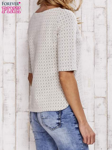 Beżowa fakturowana bluzka z rękawem 3/4                                  zdj.                                  5
