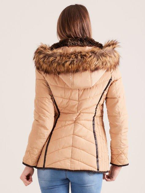 Beżowa kurtka zimowa z futrzanym kapturem i kołnierzem                                  zdj.                                  1