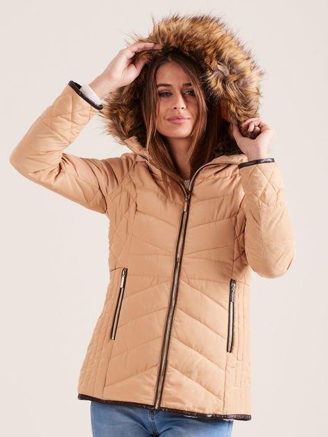 Beżowa kurtka zimowa z futrzanym kapturem i kołnierzem                                  zdj.                                  2