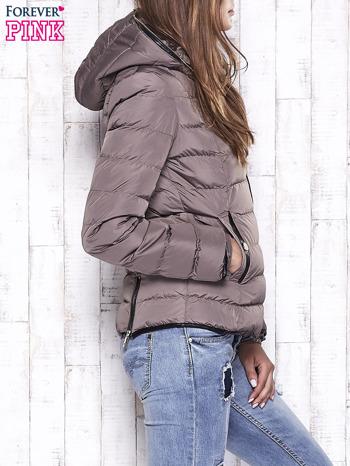 Beżowa pikowana kurtka ze złotymi suwakami                                  zdj.                                  3