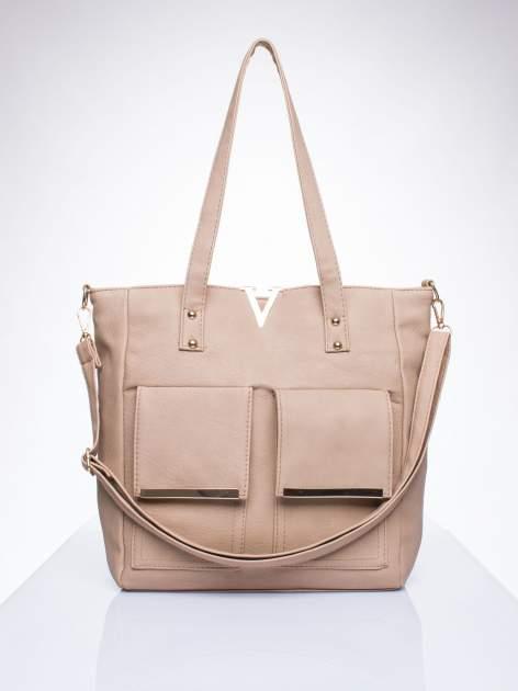 Beżowa torba shopper bag ze kieszeniami na klapki
