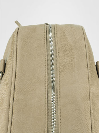 Beżowa torebka typu miękki kuferek z dodatkowym paskiem                                  zdj.                                  6