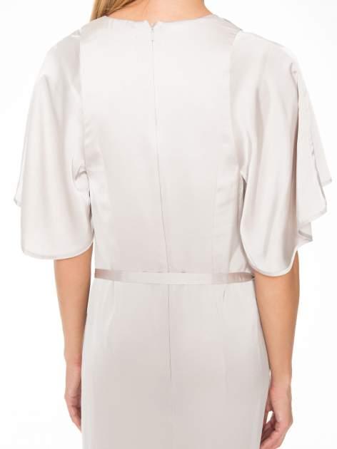 Beżowa zwiewna sukienka maxi z satyny                                  zdj.                                  8