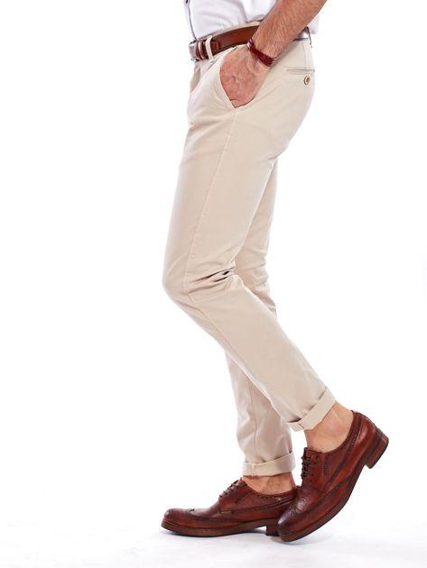 Beżowe bawełniane spodnie męskie chinosy                               zdj.                              8
